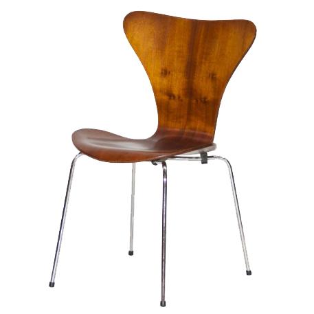 cadeira modelo 3107 – 1955