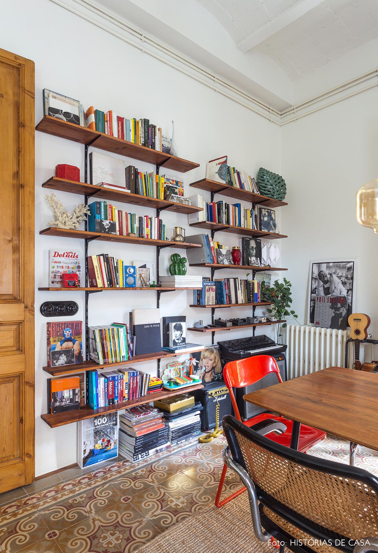 Estante de cremalheira em apartamento em Barcelona