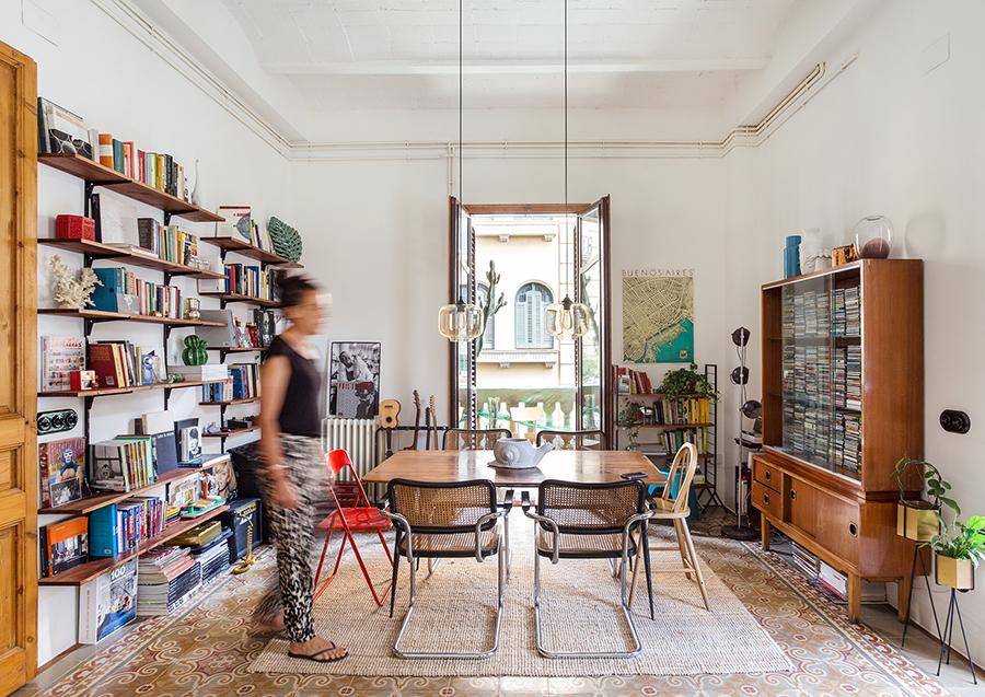 Apartamento em Barcelona com ladrilhos hidráulicos no piso