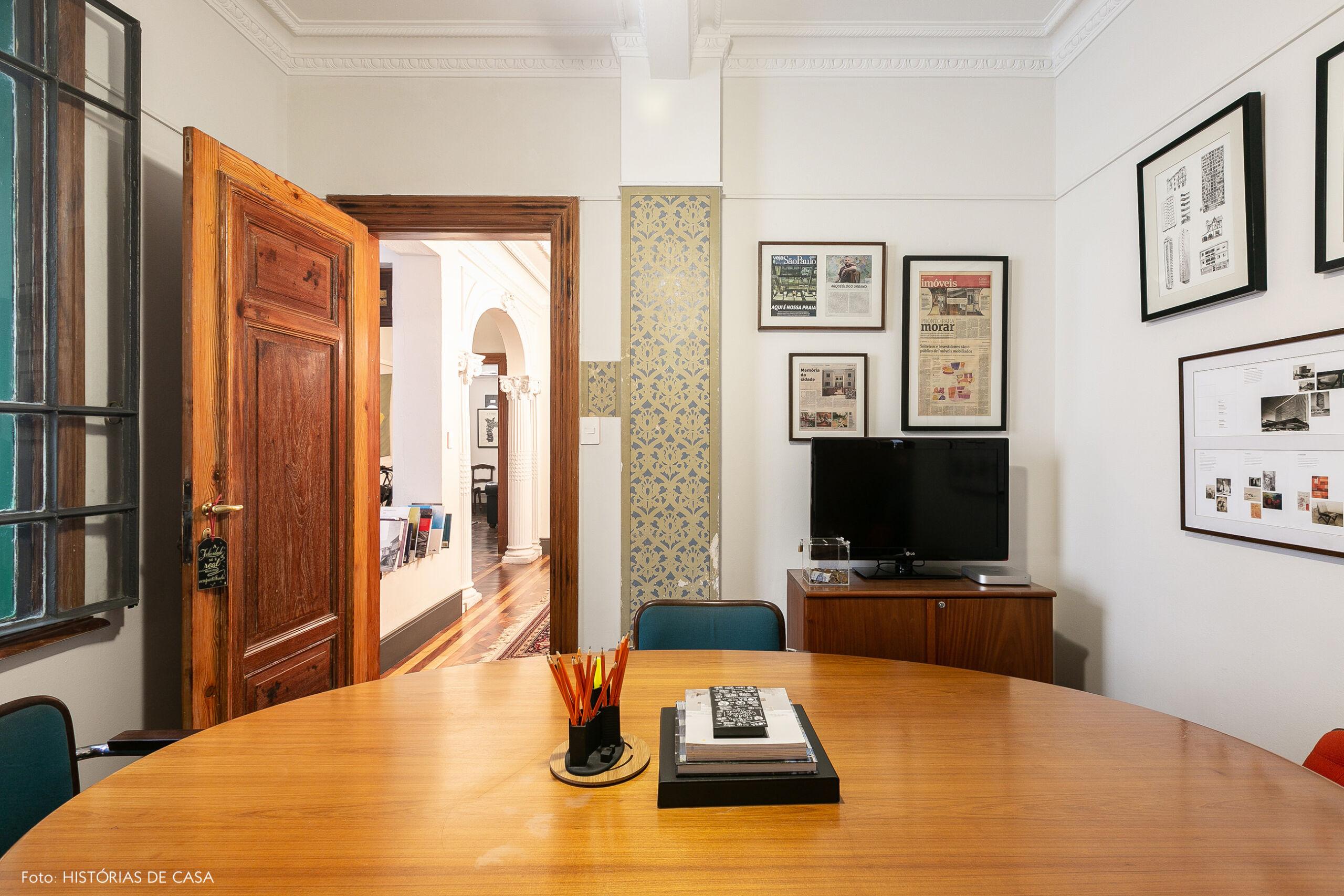 Sala de reuniões em escritório antigo no centro