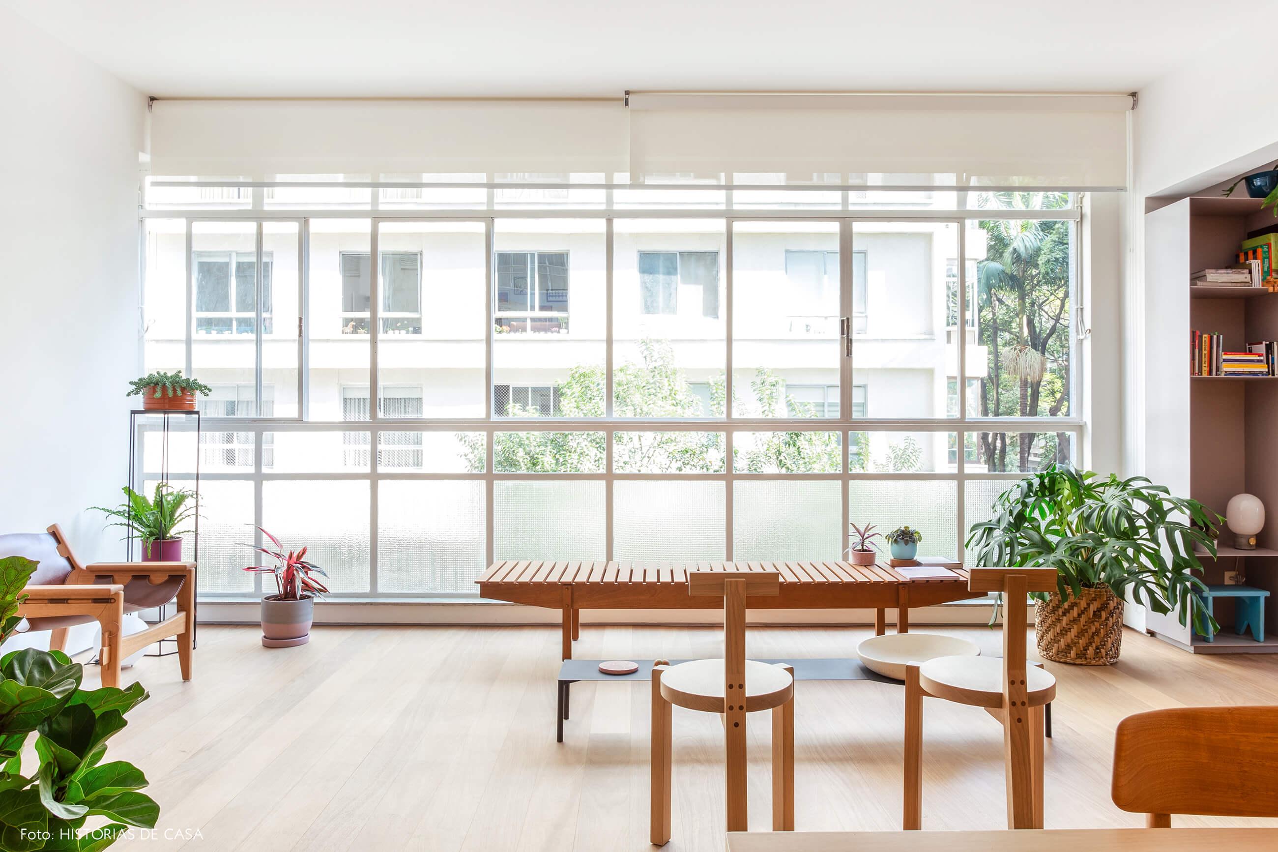04-decoracao-apartamento-antigo-janelas-piso-ao-teto