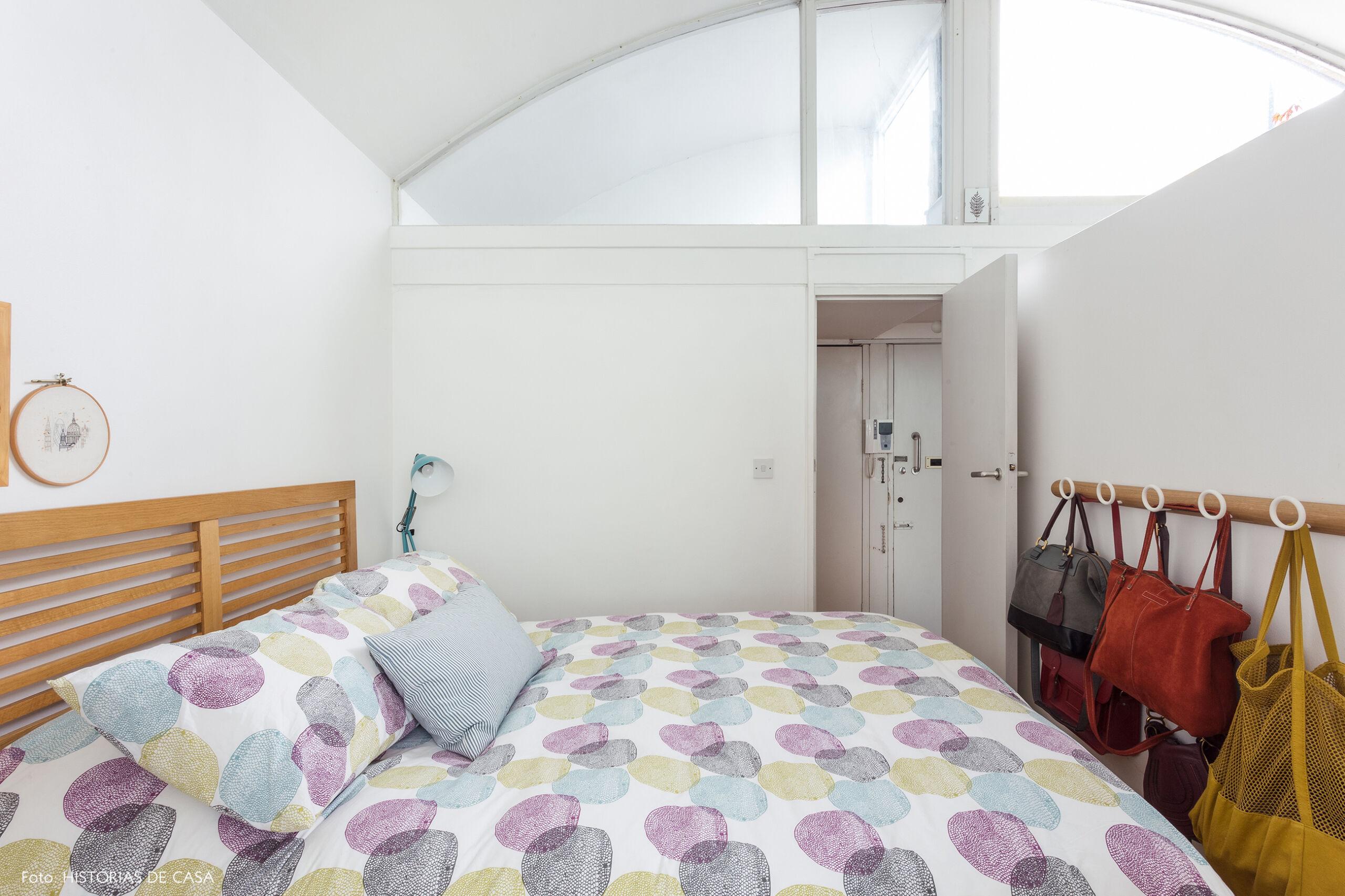25-decoracao-apartamento-quarto-com-cama-de-madeira