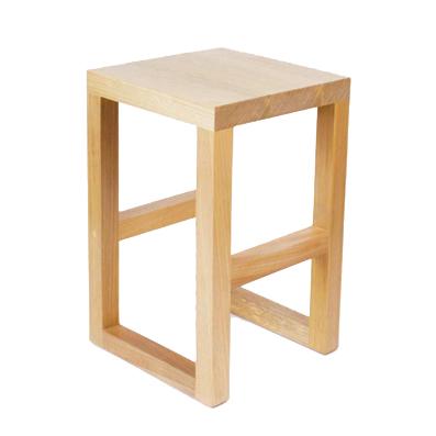 banquinho escher madeira tauari III