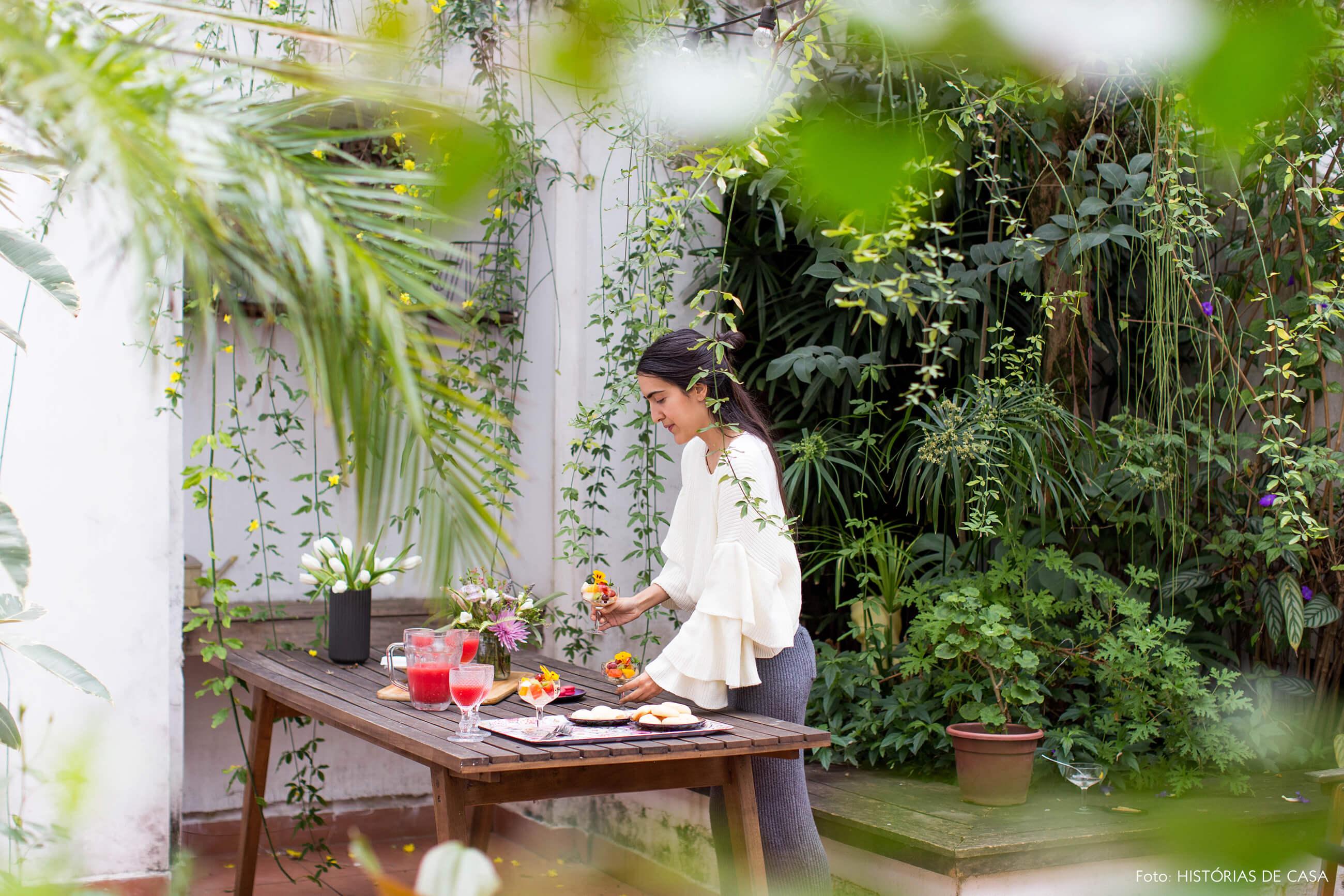 Casa do FLO Atelier Botânico com jardim dos fundos