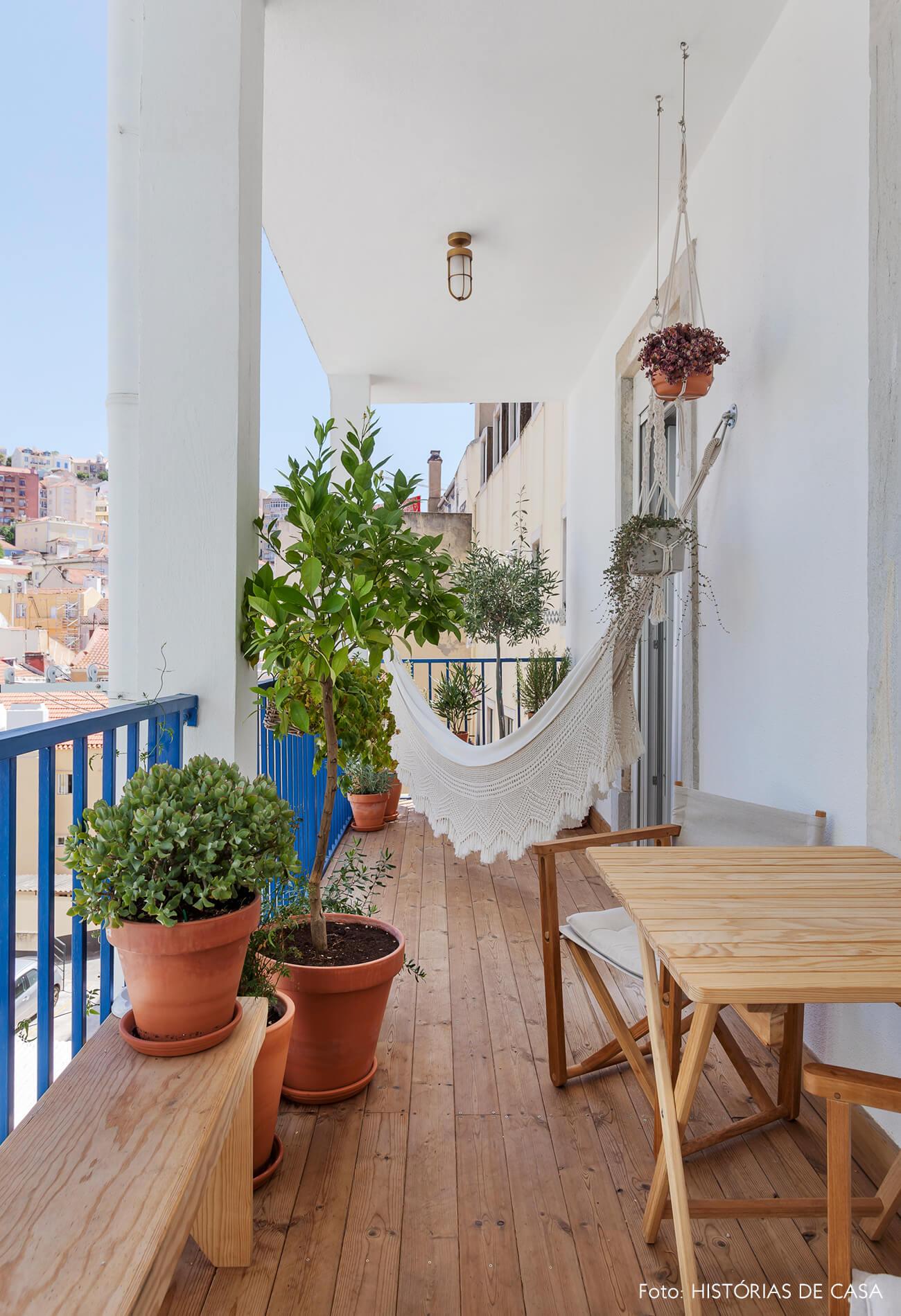 Apartamento em Lisboa com varanda e plantas