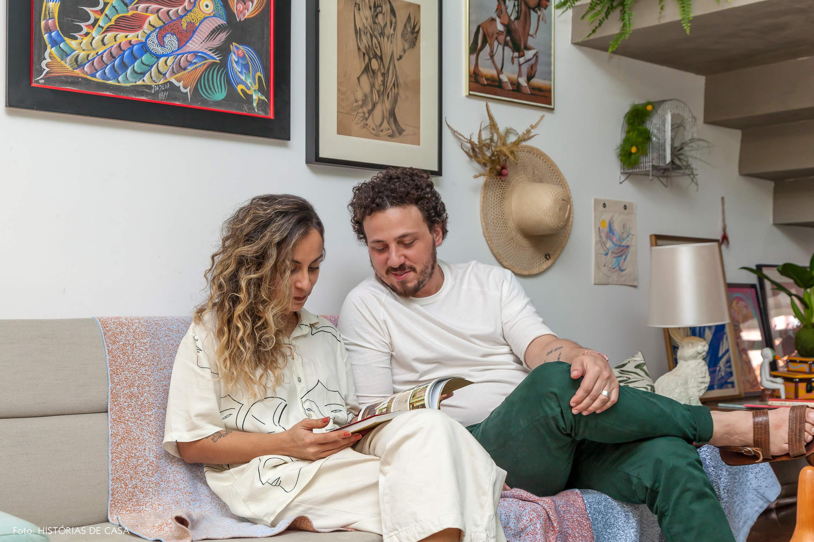 Galeria Fuerte, Dai e Jonas em casa