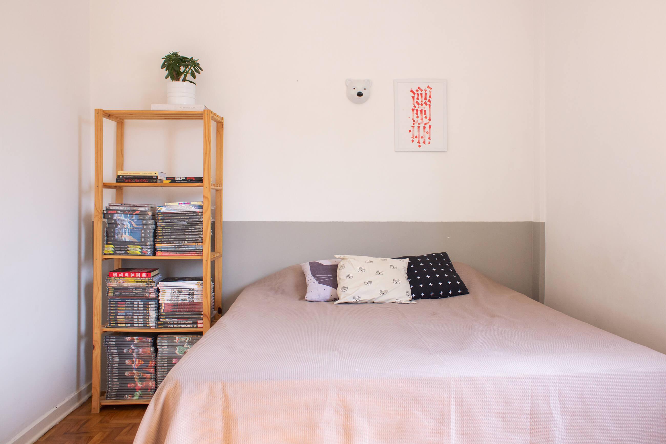 Antes e depois no quarto: parede cinza e sem graça