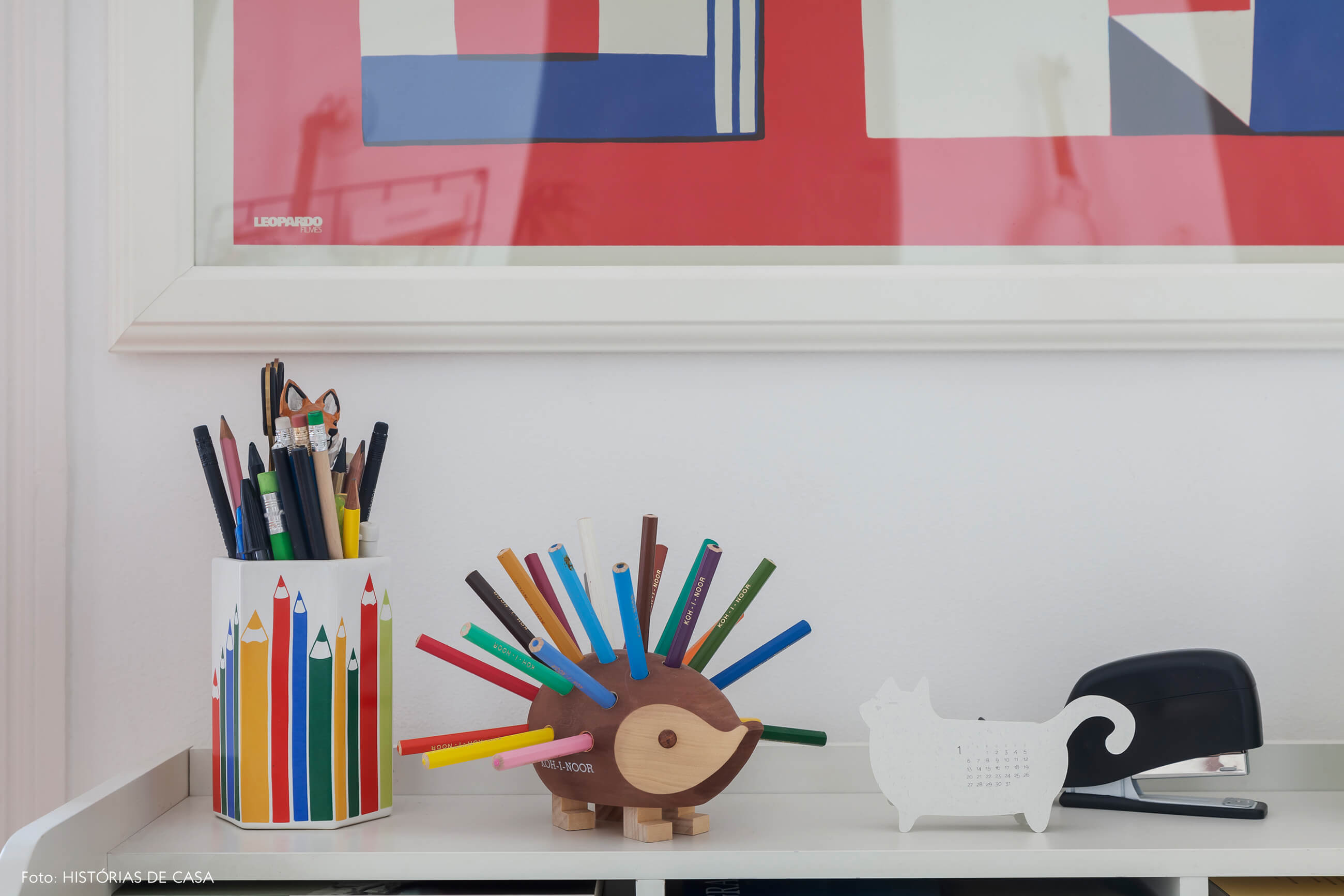 Apartamento em Portugal com pequeno home office na sala