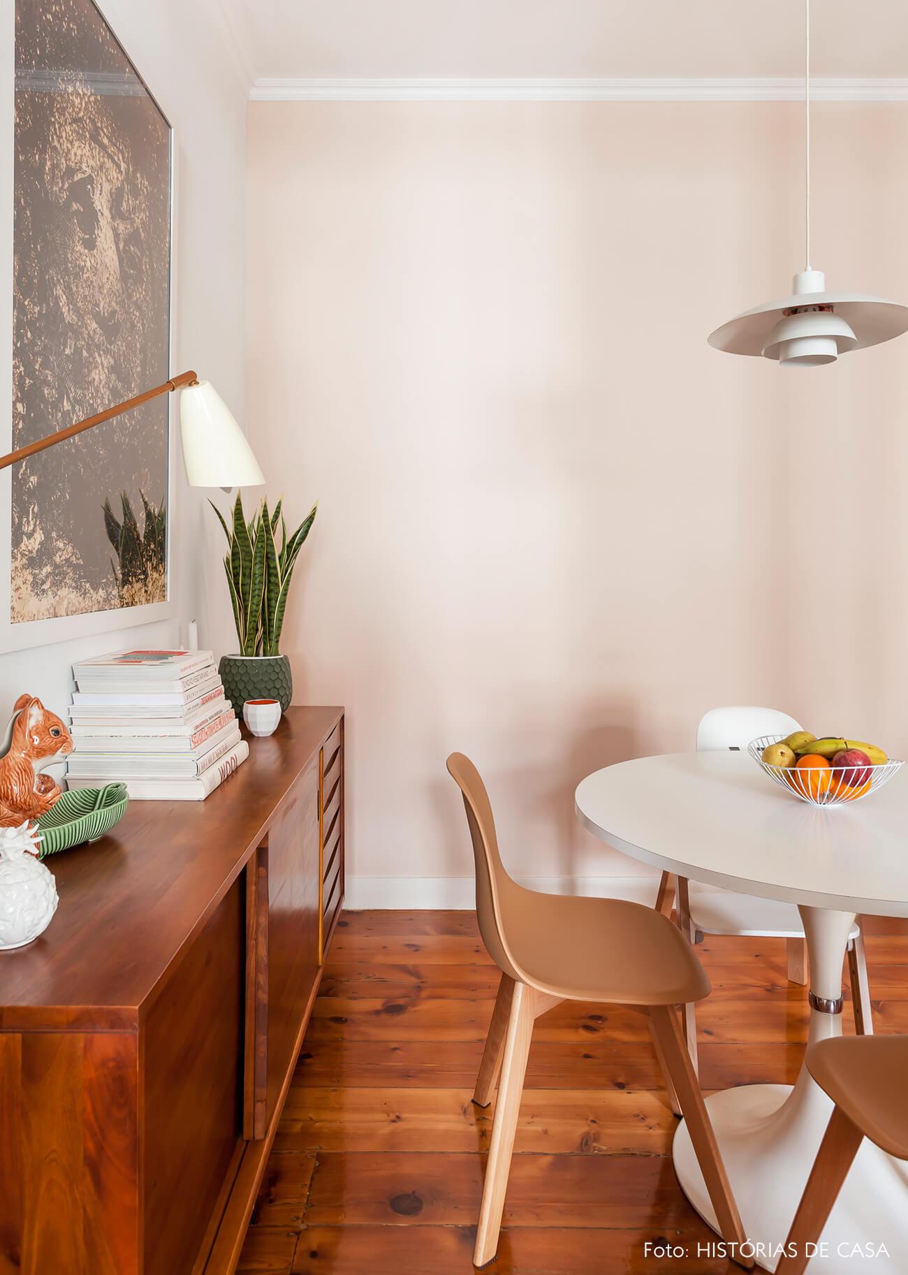 Apartamento em Portugal, decoração da sala de jantar com móveis vintage