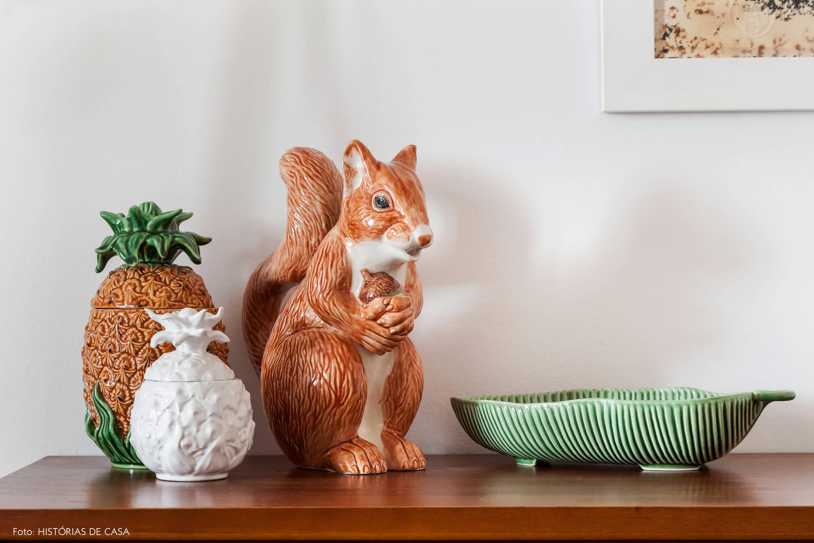 Apartamento em Portugal, decoração com coleção de cerâmicas