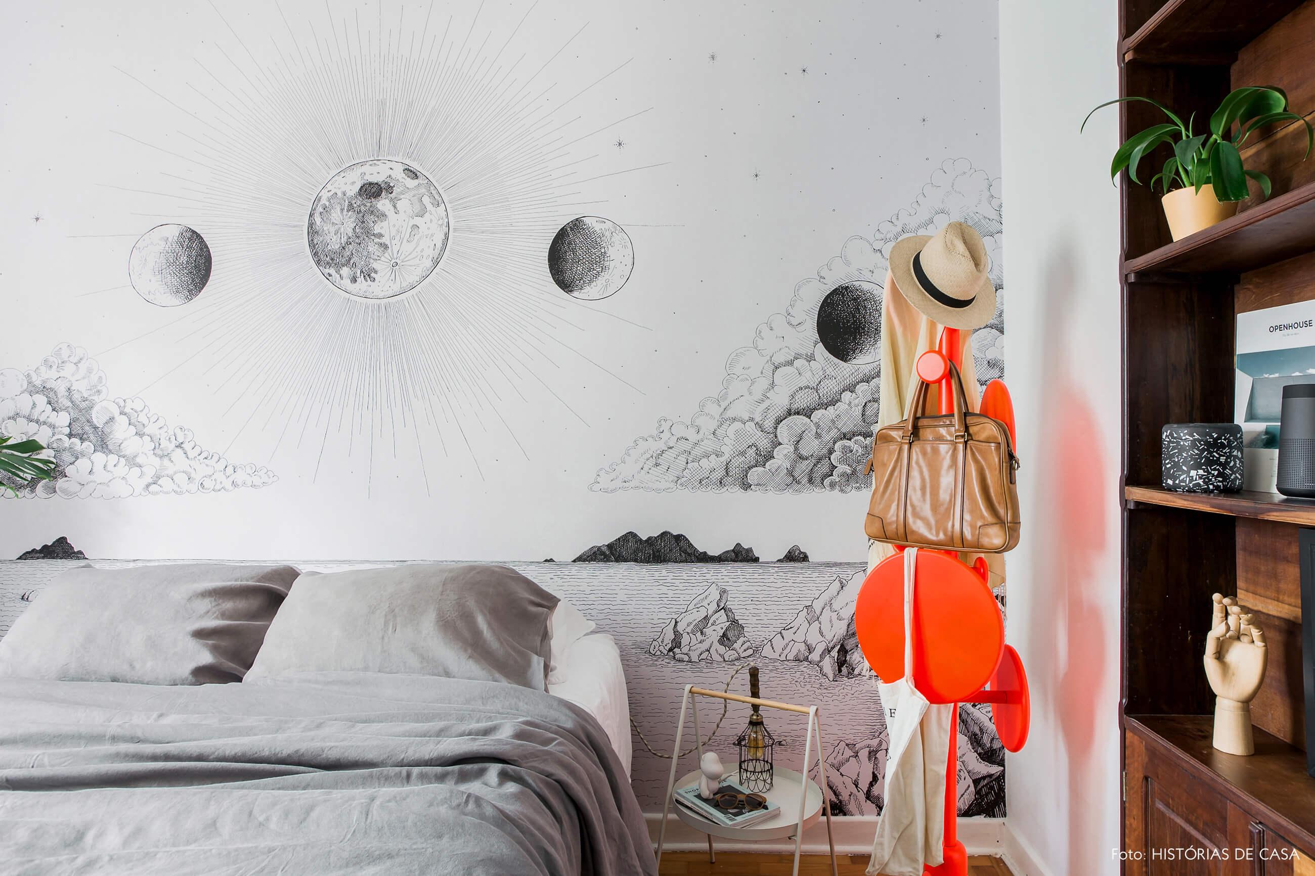 Apê alugado e quarto com papel de parede da marca branco.