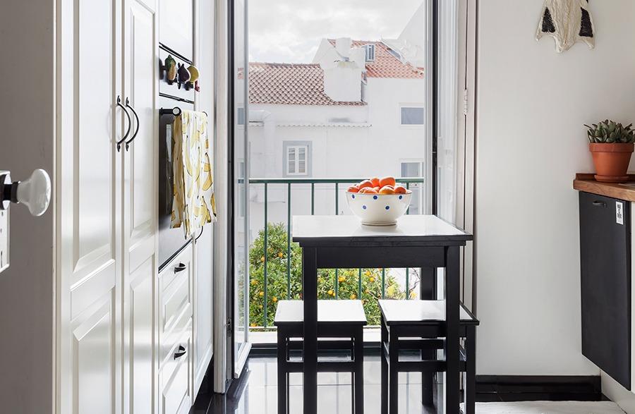 Cozinha de um apartamento em Portugal