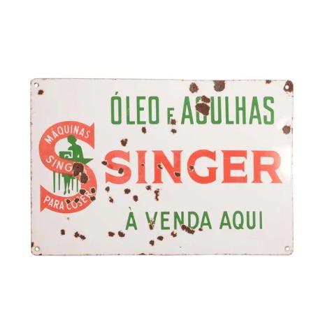 ÓLEO E AGULHAS