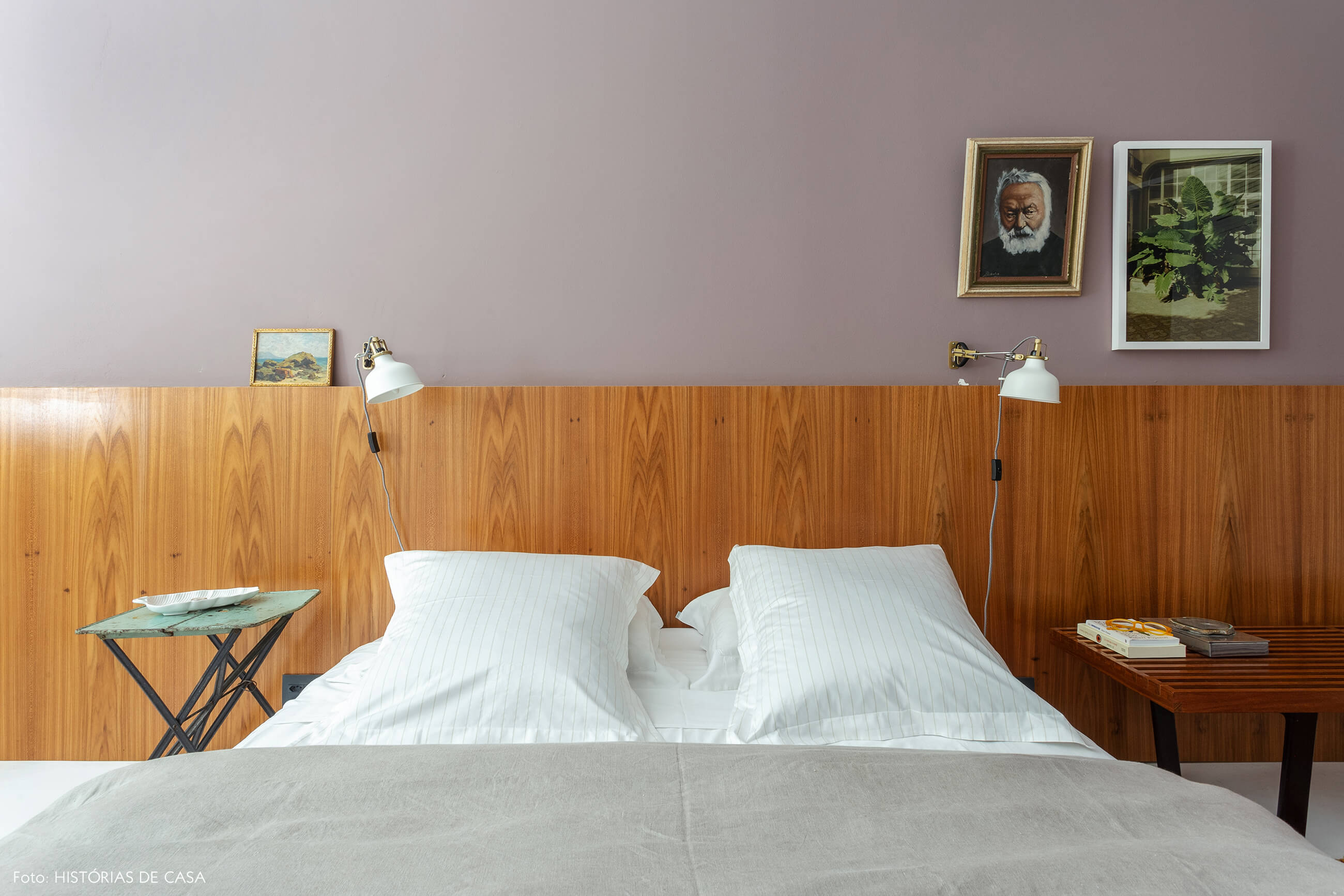 A casa do Maurício Arruda, quarto com cabeceira de madeira