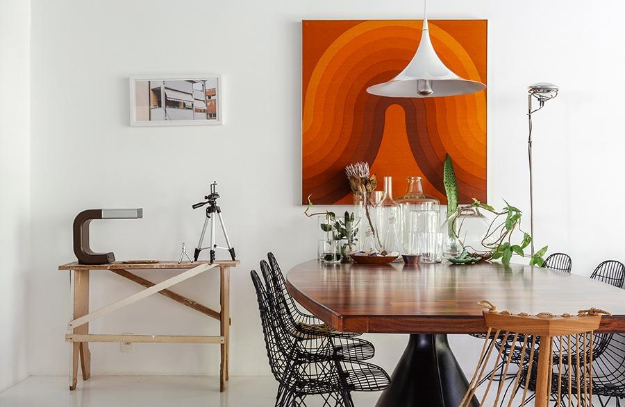 O apartamento do Maurício Arruda, com tetos coloridos e muita integração
