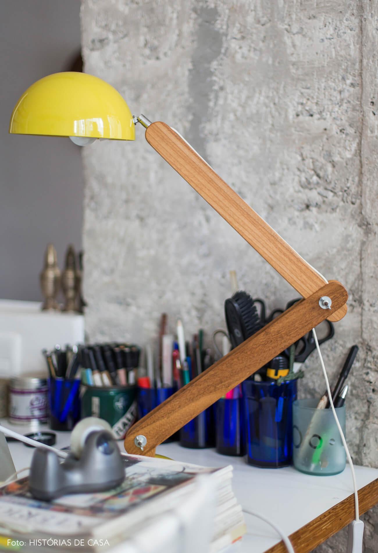 Luminária da designer Marieta Ferber