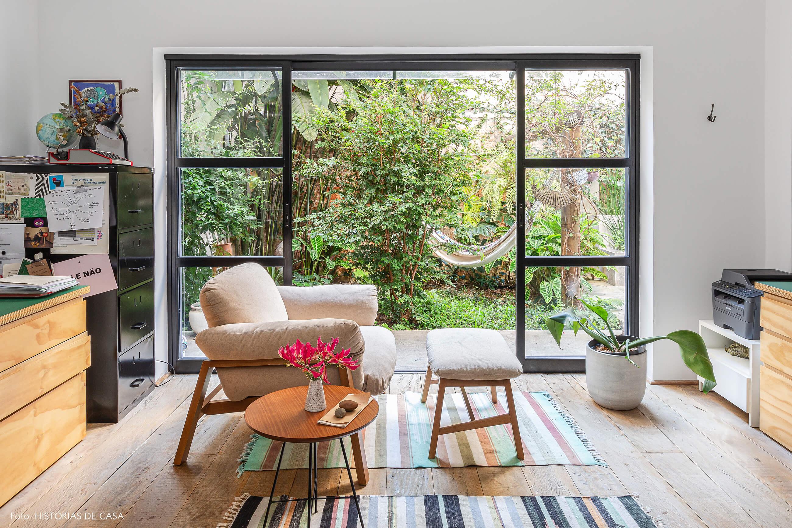 Apartamento térreo com vista para o jardim