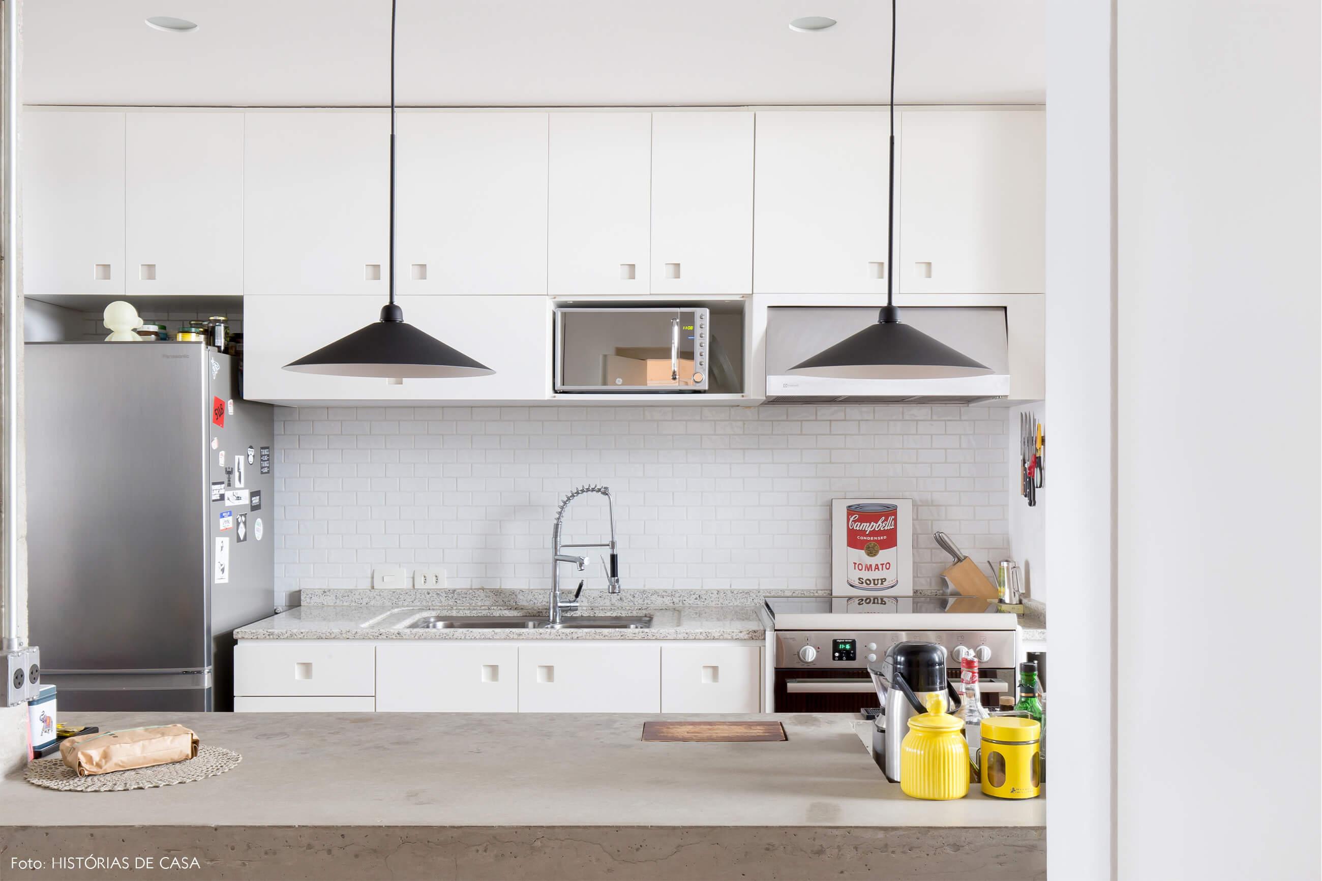 Ap decoração copan cozinha prateleiras brancas bancada de concreto