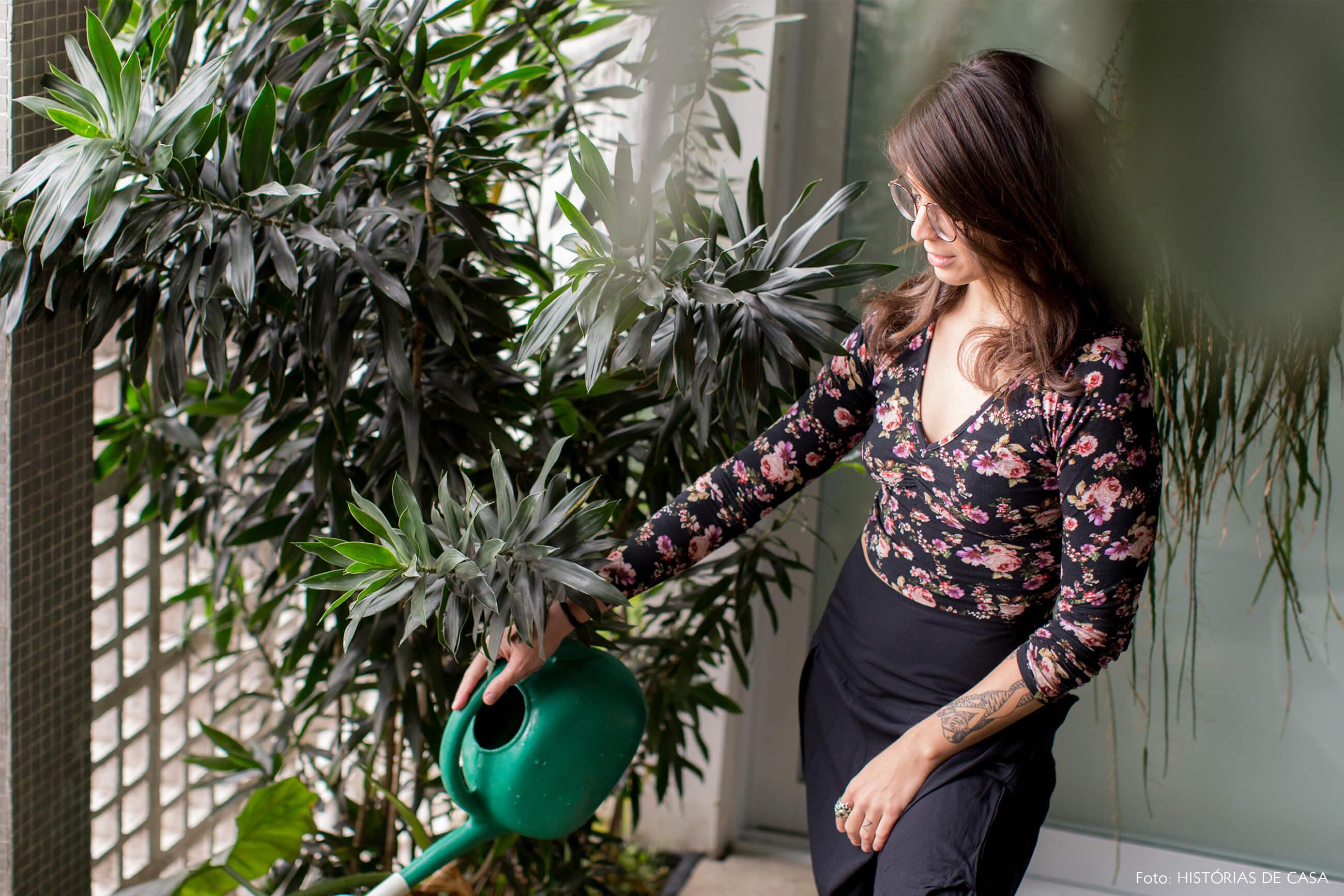 Ap decoração copan retrato no jardim interno com plantas