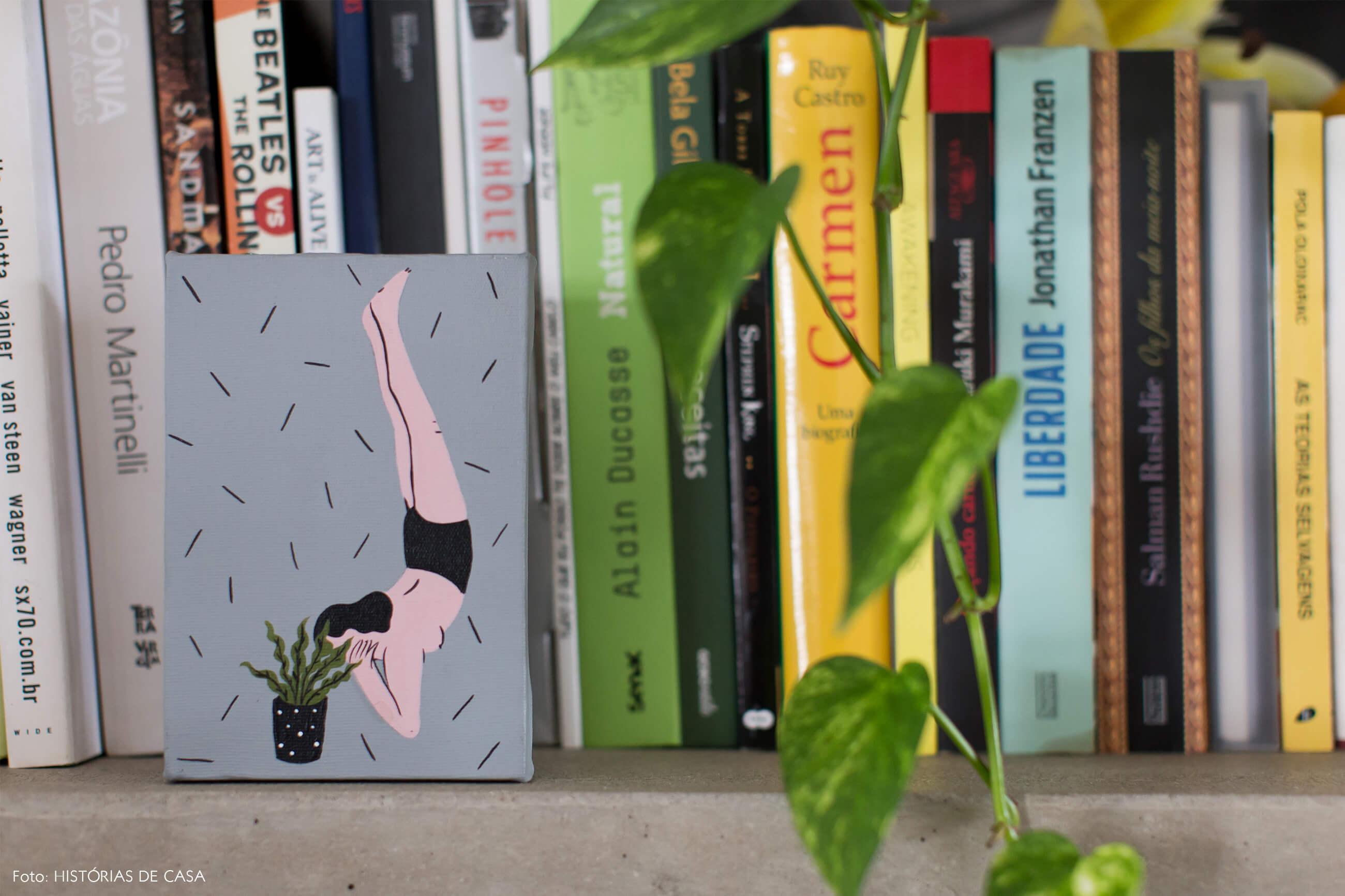 Ap decoração copan detalhe pintura quadro na estante de concreto