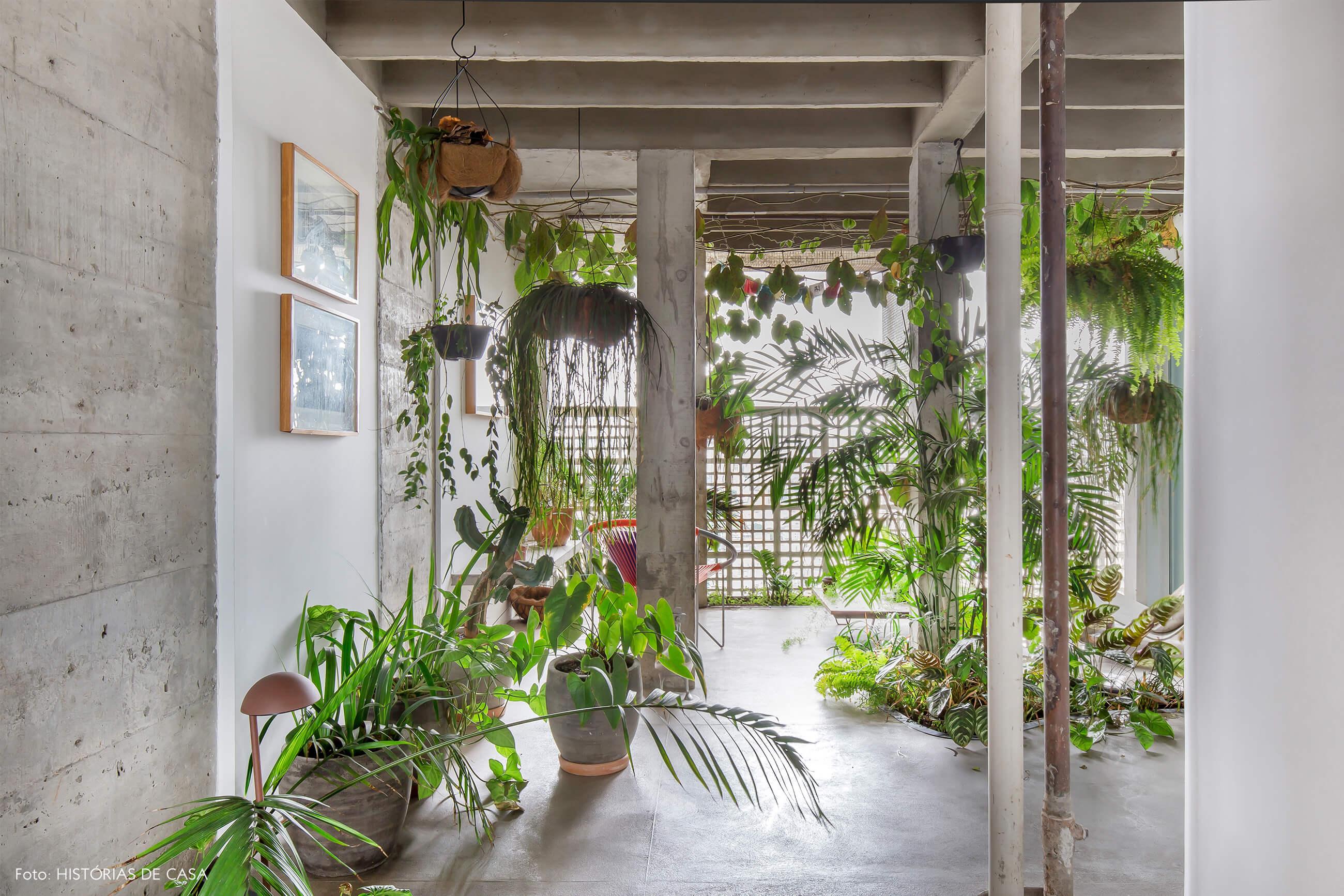 Ap decoração copan parede de concreto no jardim interno com plantas