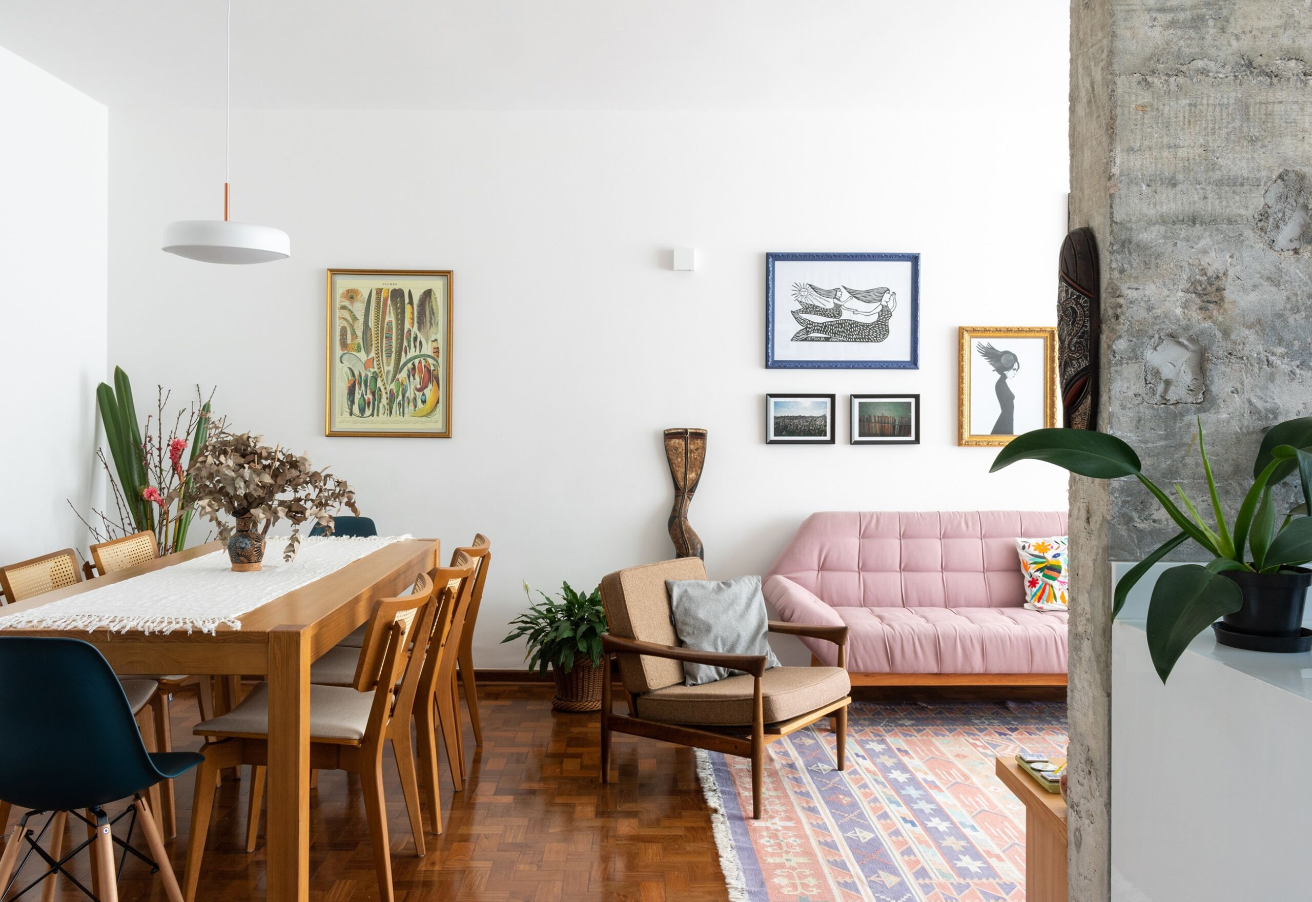 sala-parede-concreto-decoracao