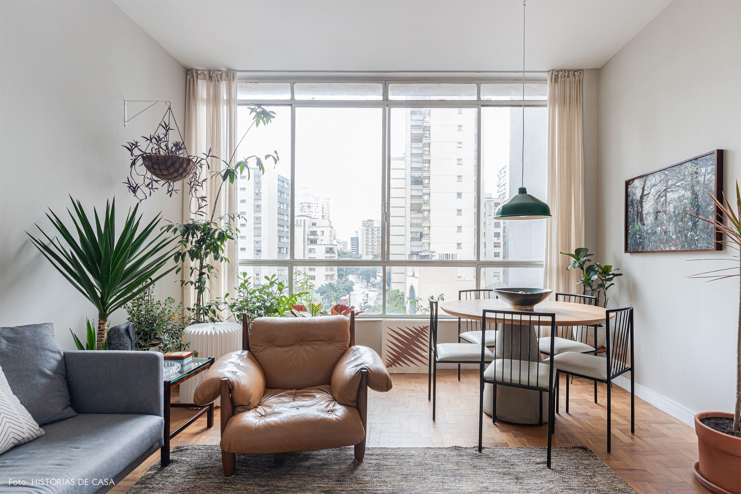 sala-poltrona-couro-serio-rodrigues-mesa-concreto-cadeira-geraldo-de-barros