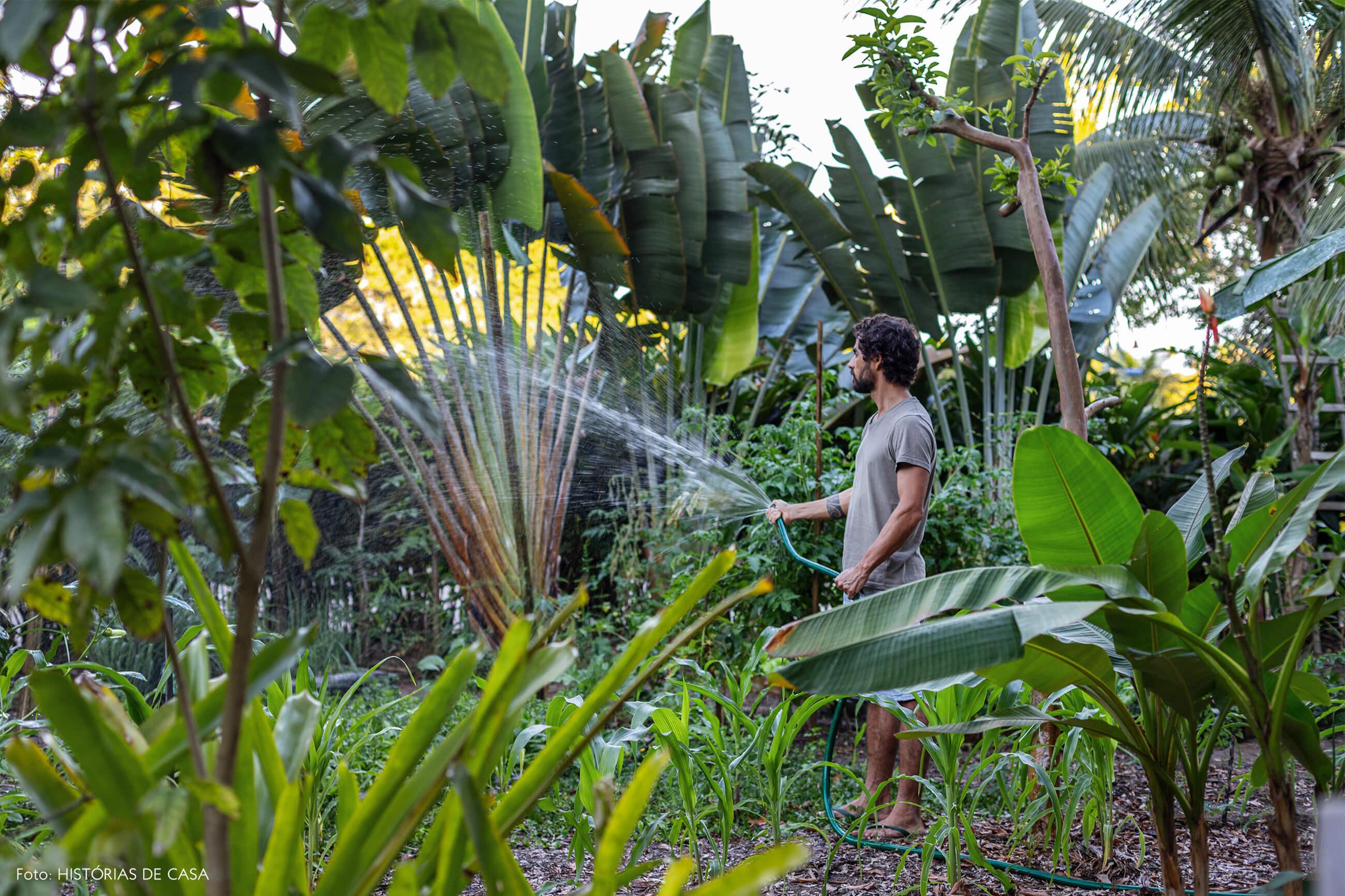 trancoso-decoracao-hotel-villase7e-76-retrato-jardim-plantas-mangueira