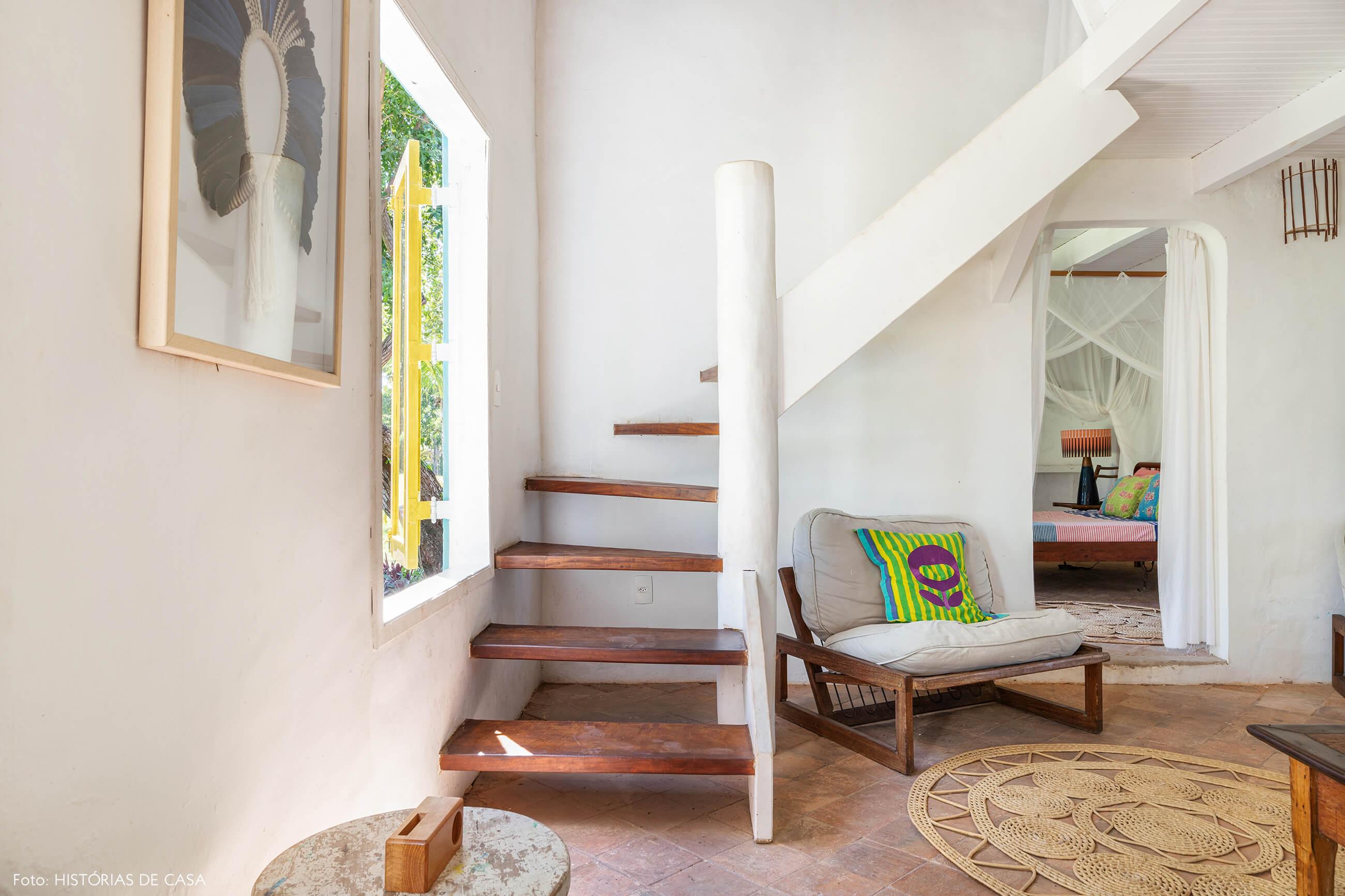 flavia-decoração-trancoso-sala-branca-e-entrada-quarto