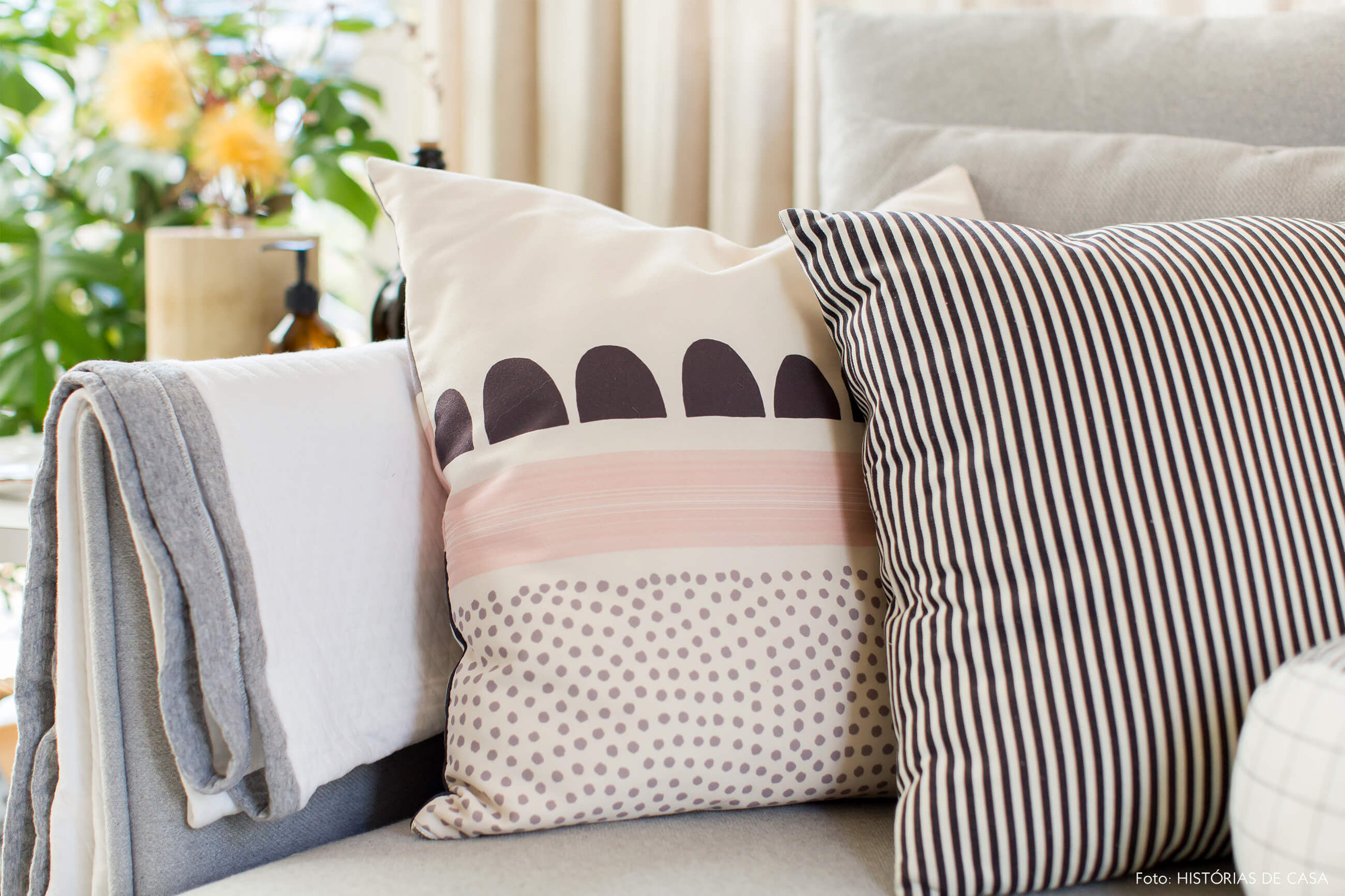 ju-cosi-decoração-almofada-estampada