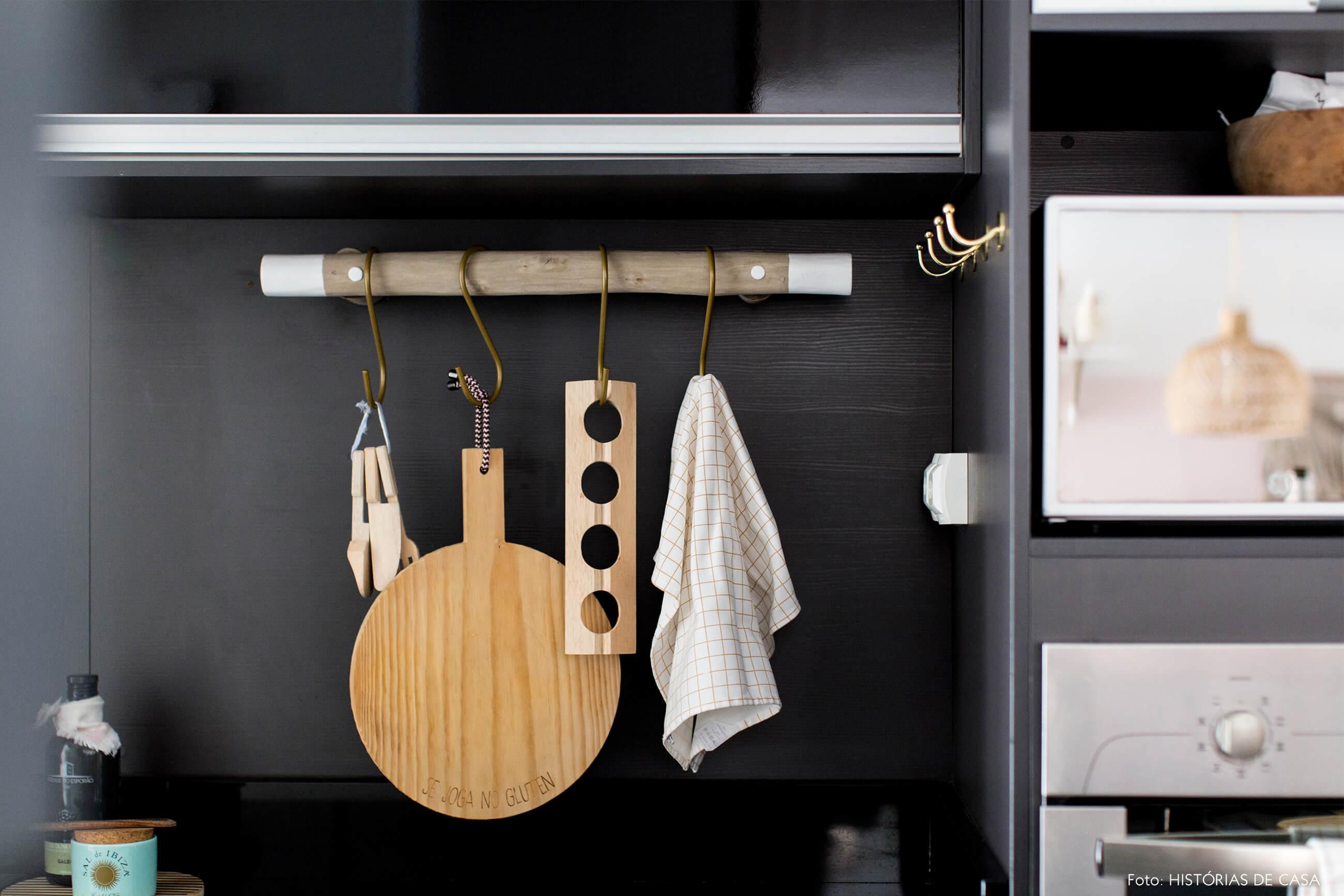 ju-cosi-decoração-detalhe-cozinha-tabua-de-madeira