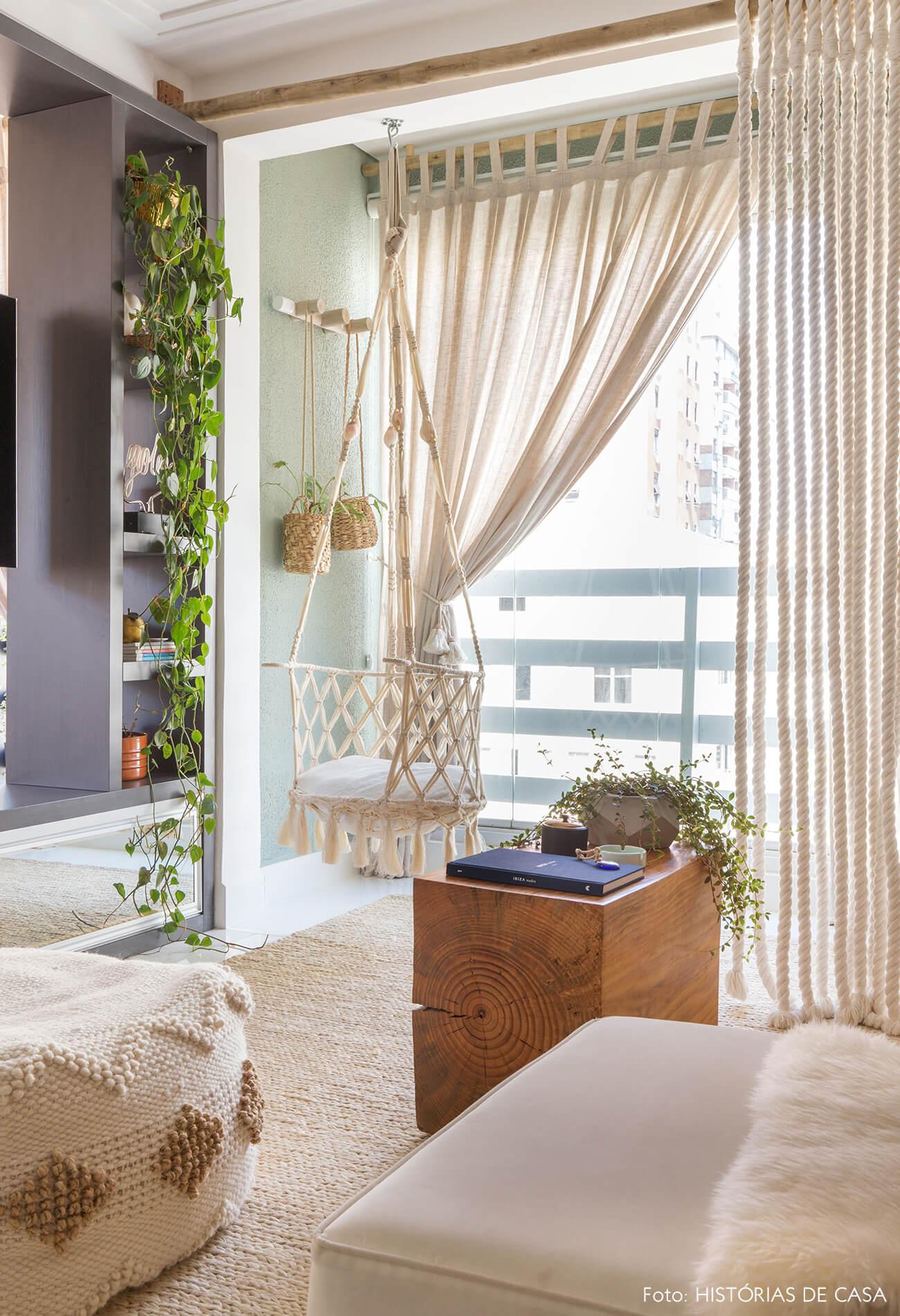 ju-cosi-decoração-sala-e-varanda-com-macrame-e-balanço