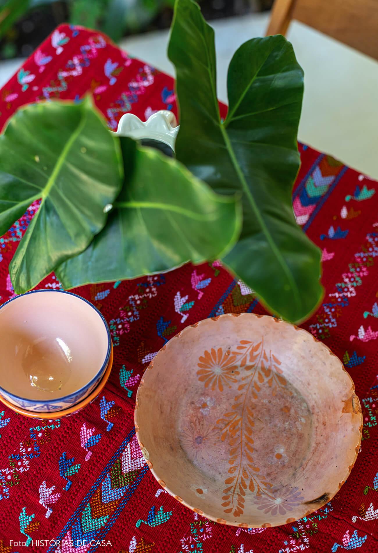 flavia-decoração-trancoso-detalhe-pratos-ceramica