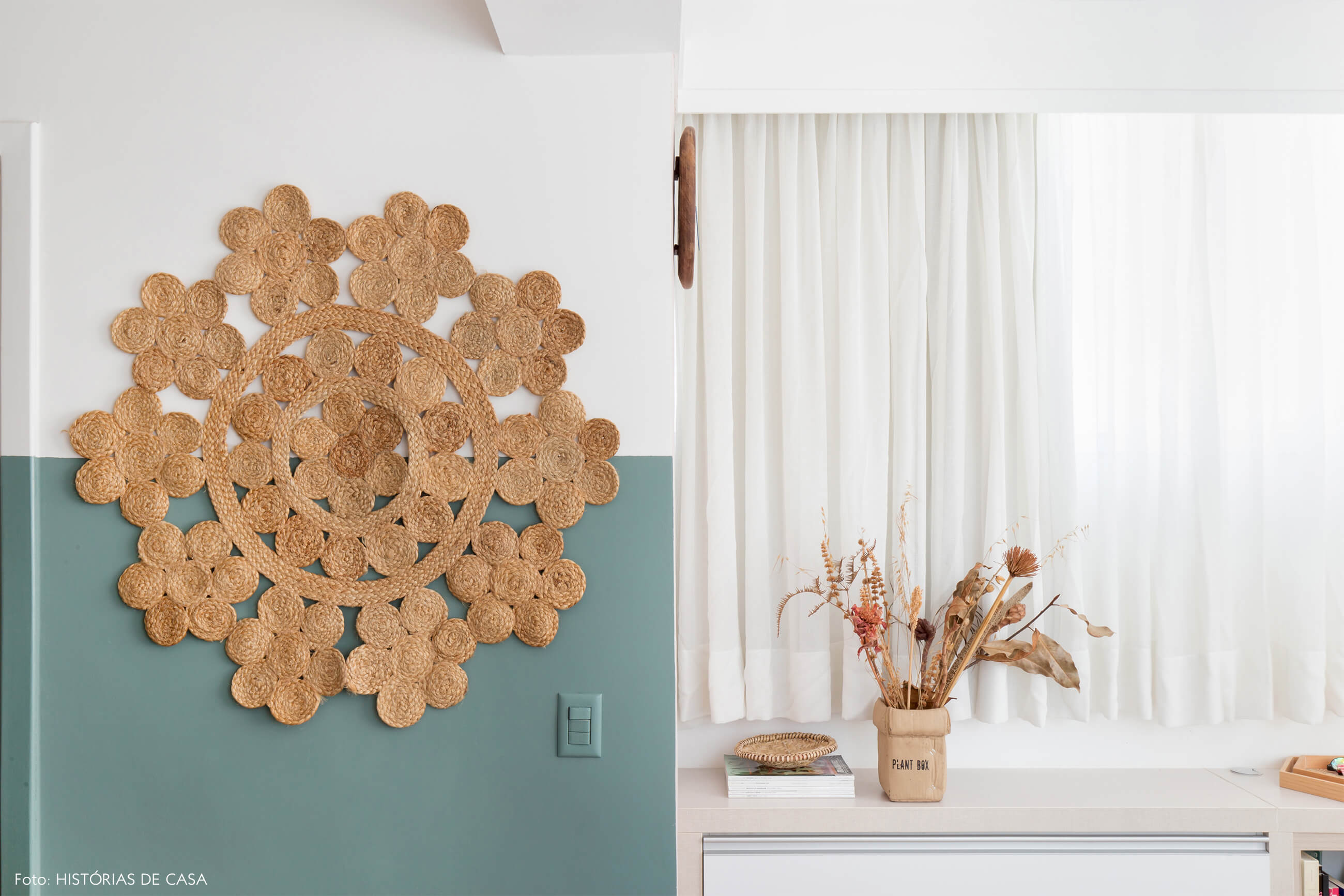 ju-cosi-decoração-meia-parede-azul