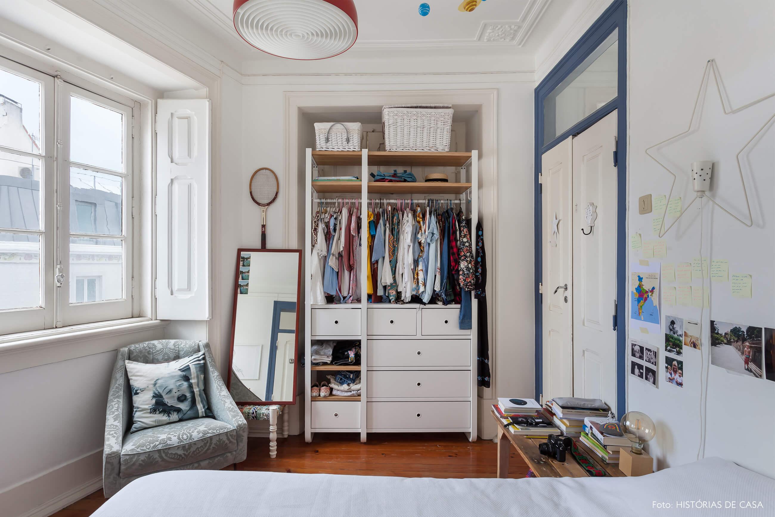 mariana-portugal-decoração-quarto-branco-com-detalhes-azul