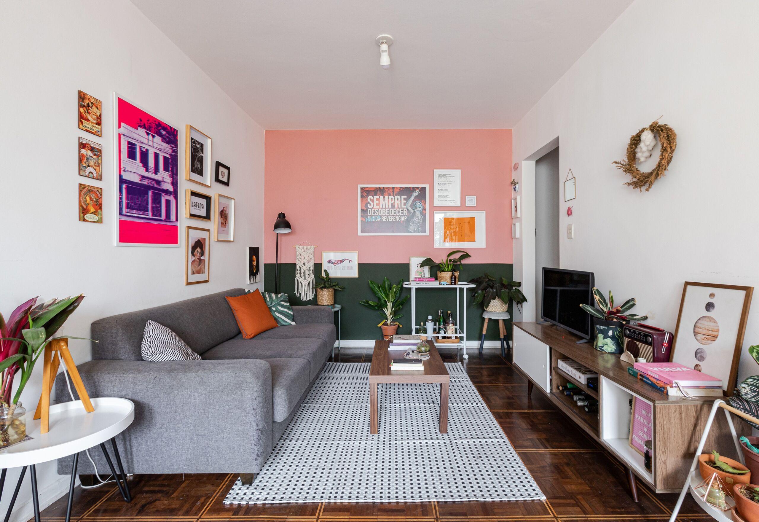 sala-decoração-sala-com-parede-verde-e-rosa