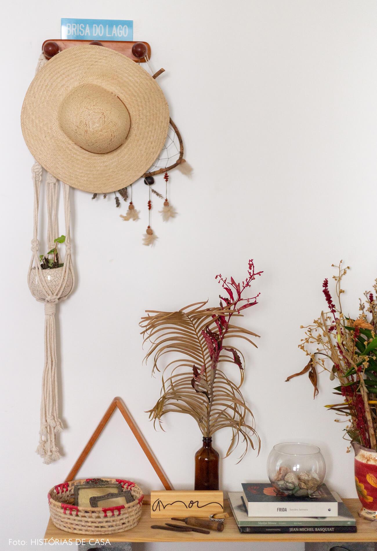 detalhes-com-chapeu-de-palha-macrame-e-plantas