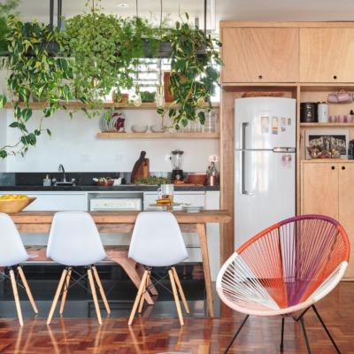decoração-caderia-eames-e-acapulco-colorida