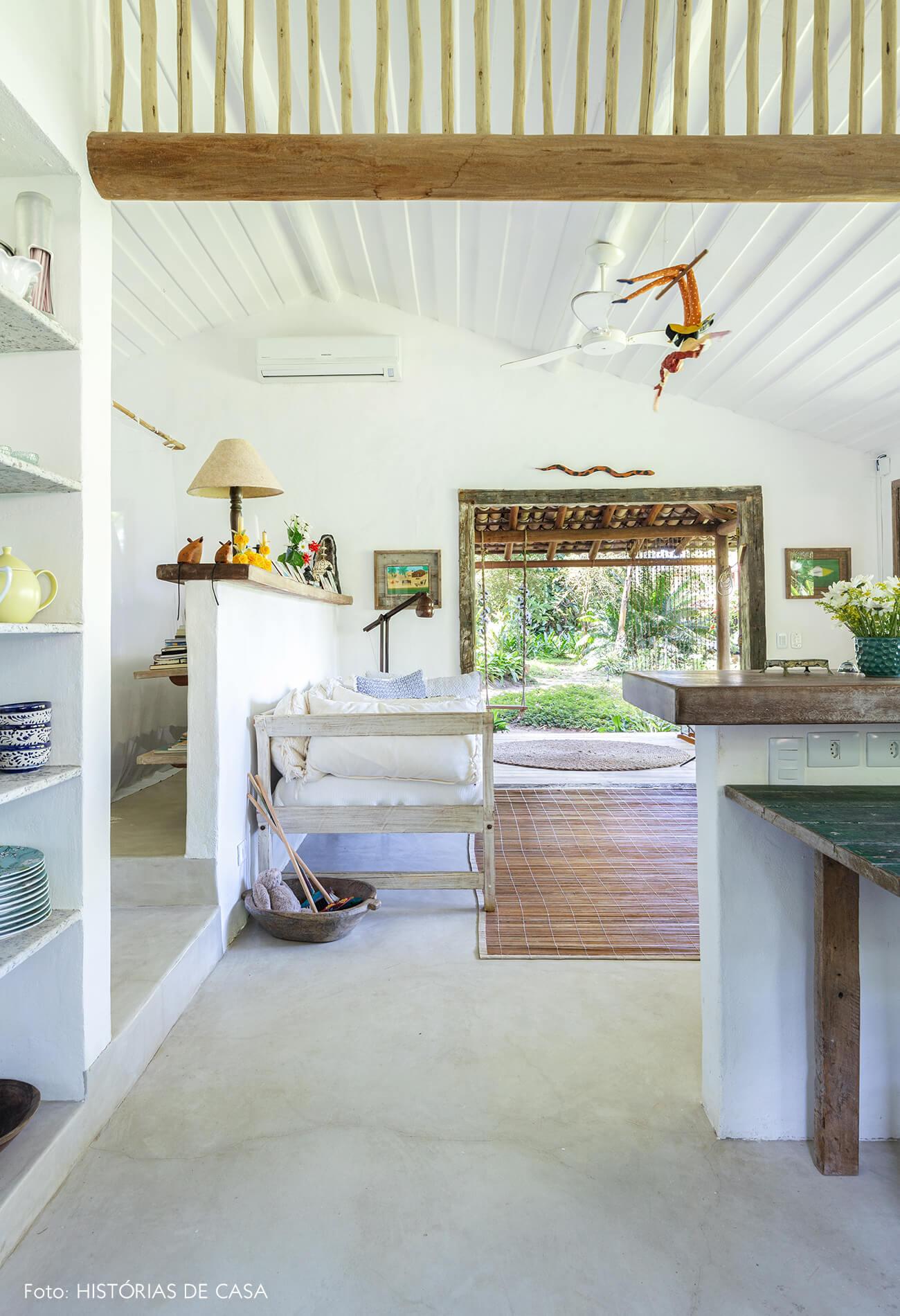 sala-cozinha-rustica-com-moveis-de-madeira
