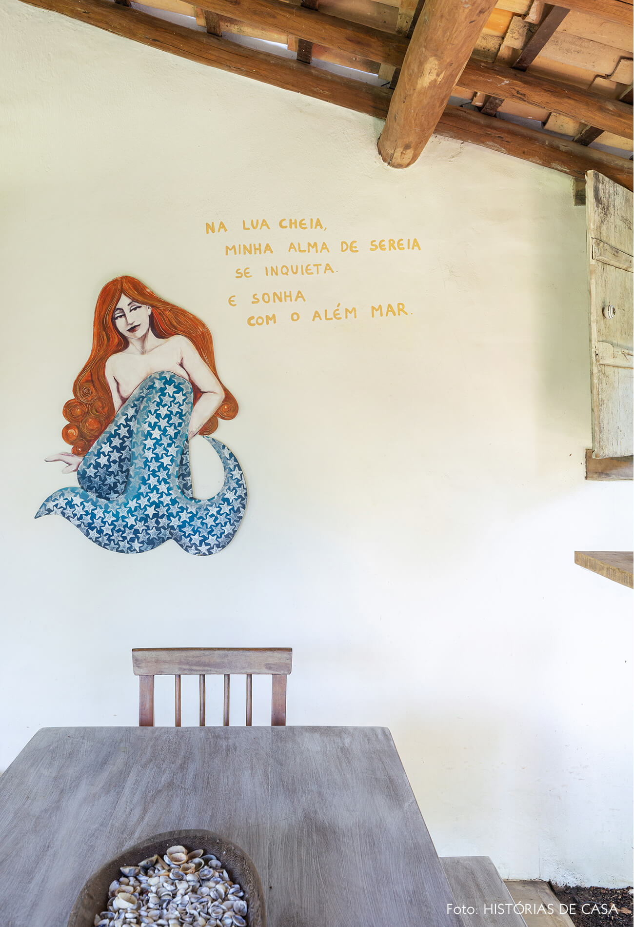 area-externa-varanda-com-pintura-sereia