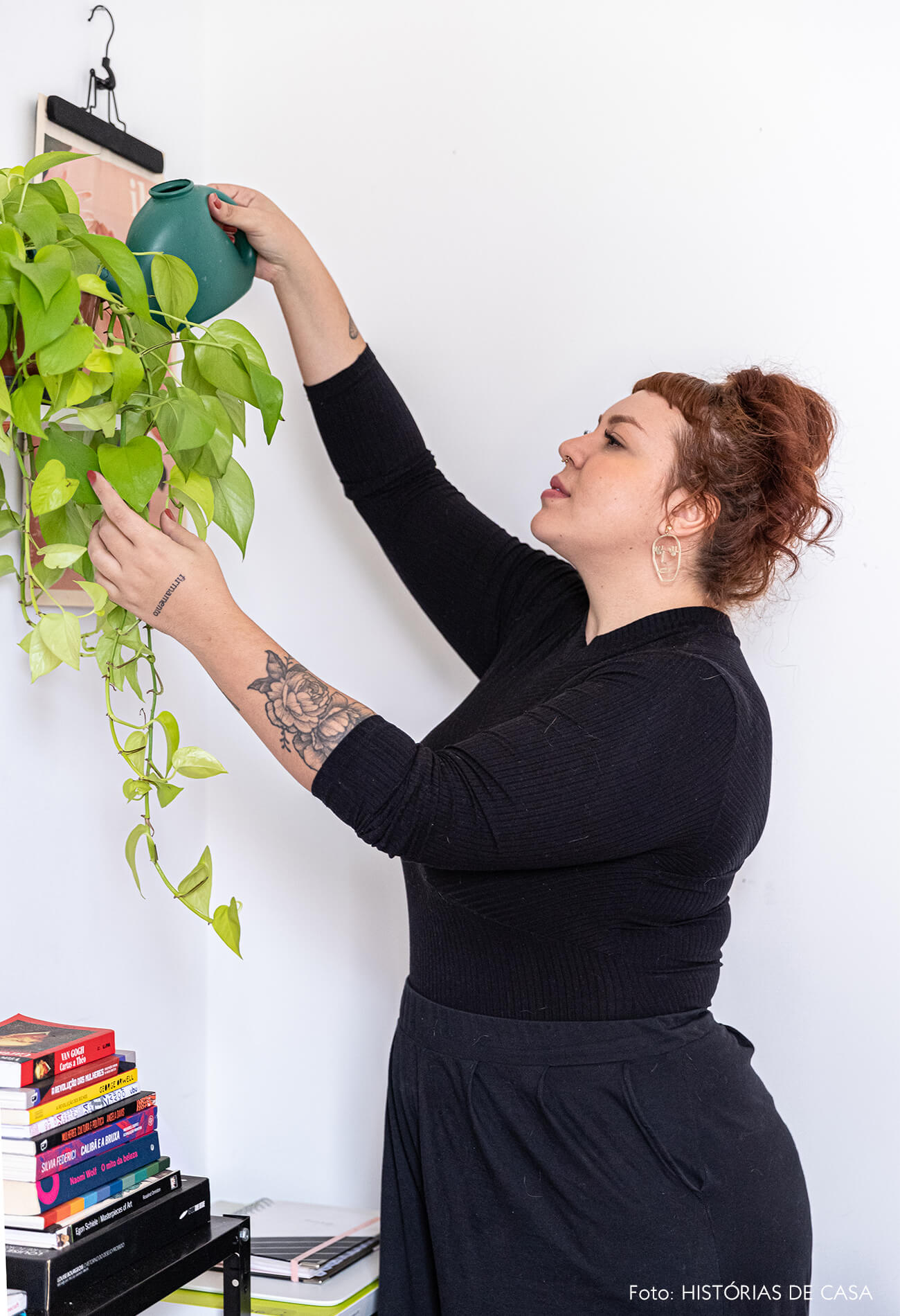 decoração-retrato-no-home-office-com-planta