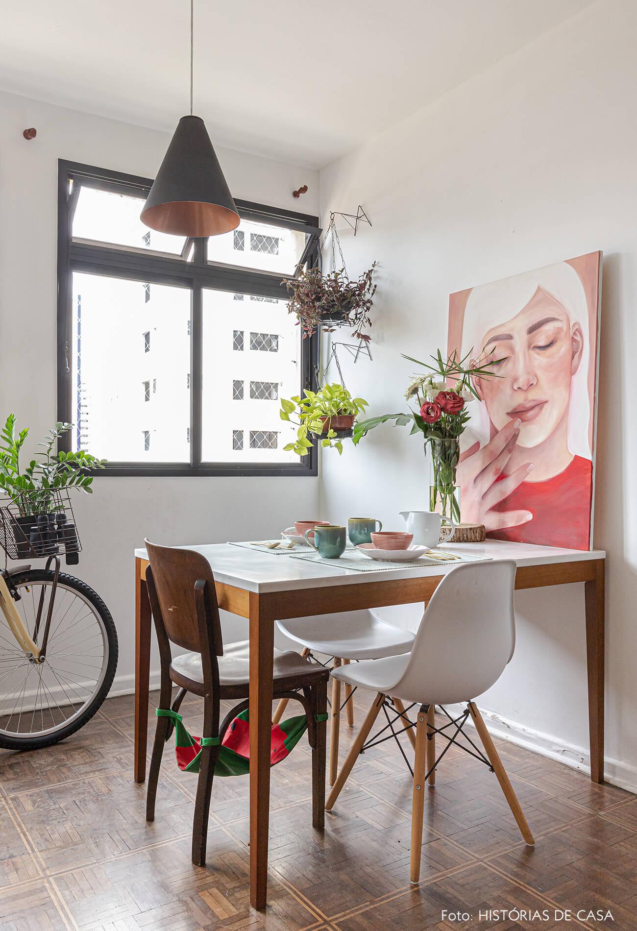 decoração-mesa-jantar-com-pintura-e-flores