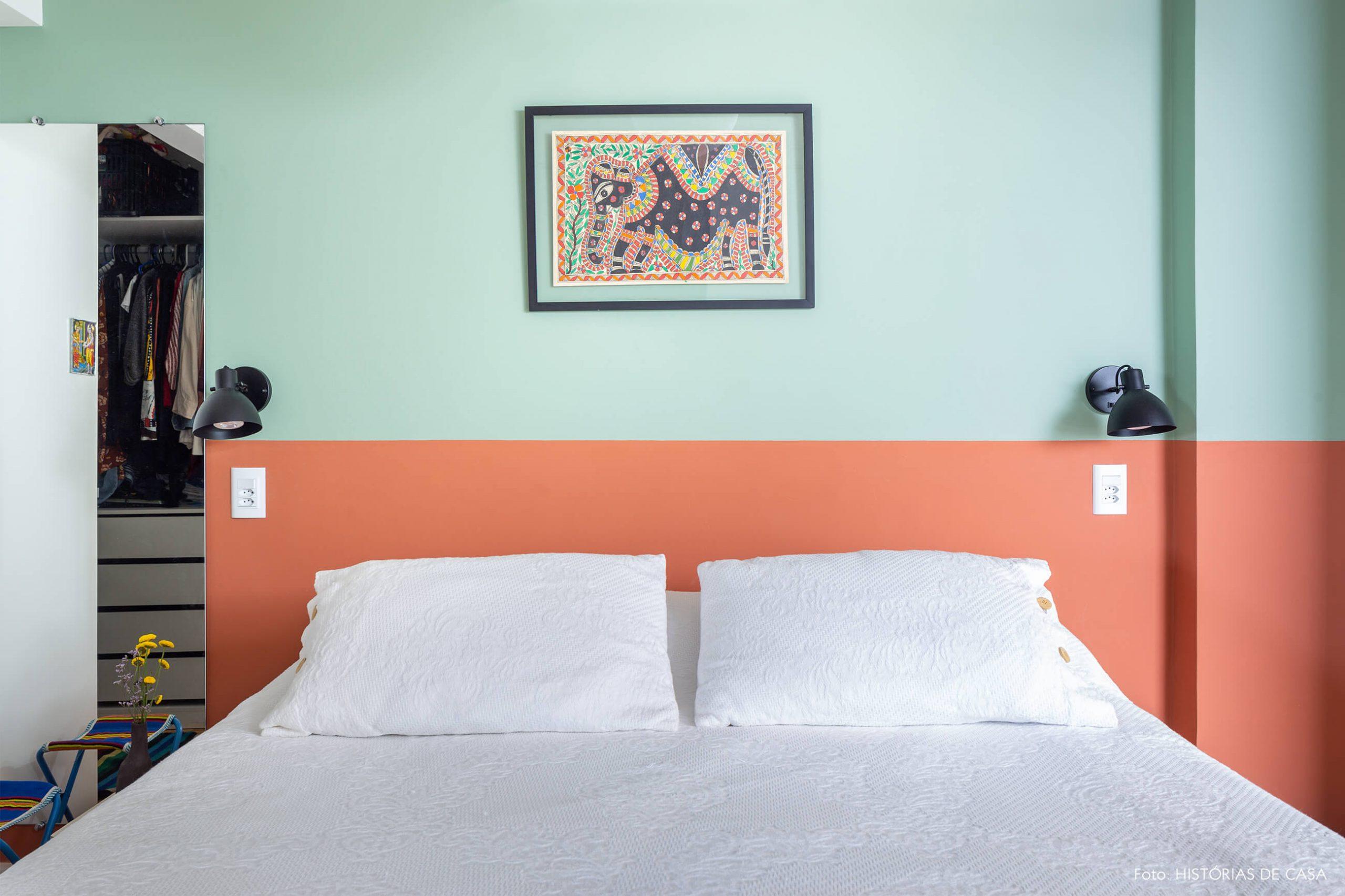 decoração quarto com parede colorida verde e laranja