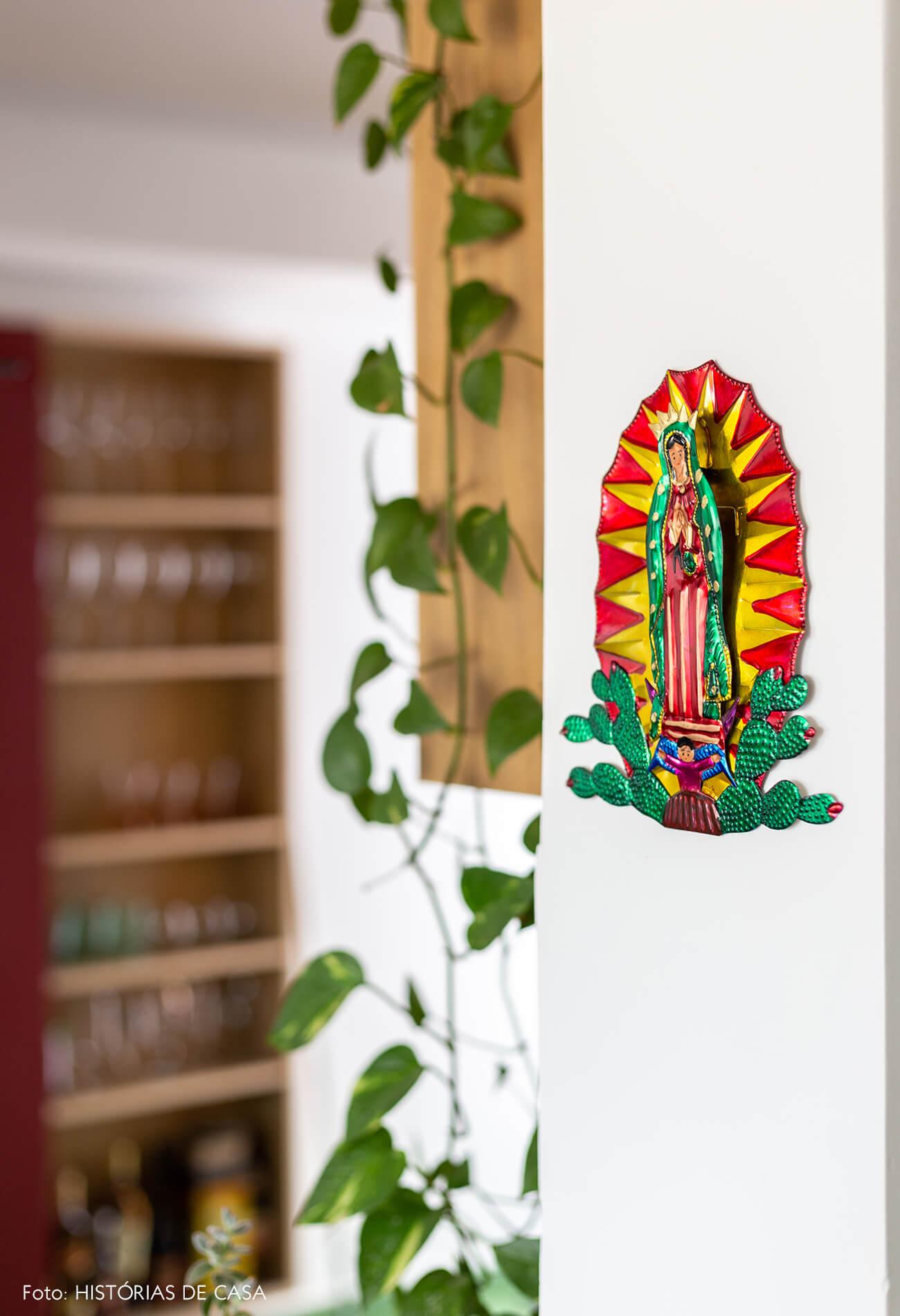 decoração detalhe objeto em parede branca