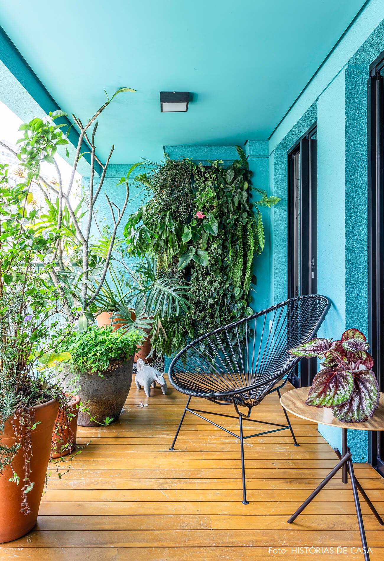 varanda-azul-e-cadeira-acapulco