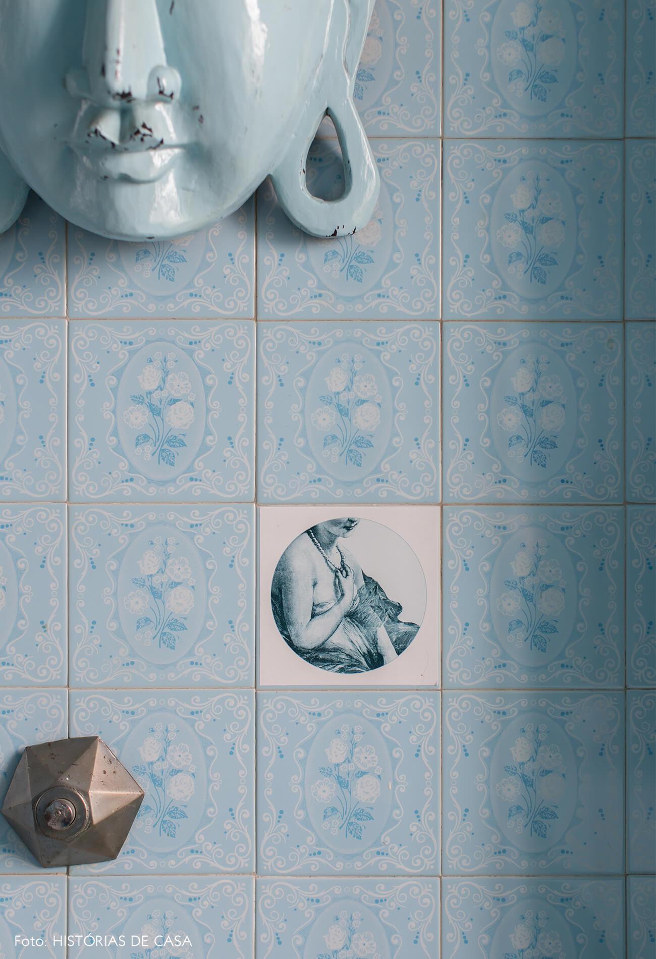 azulejo-banheiro-azul