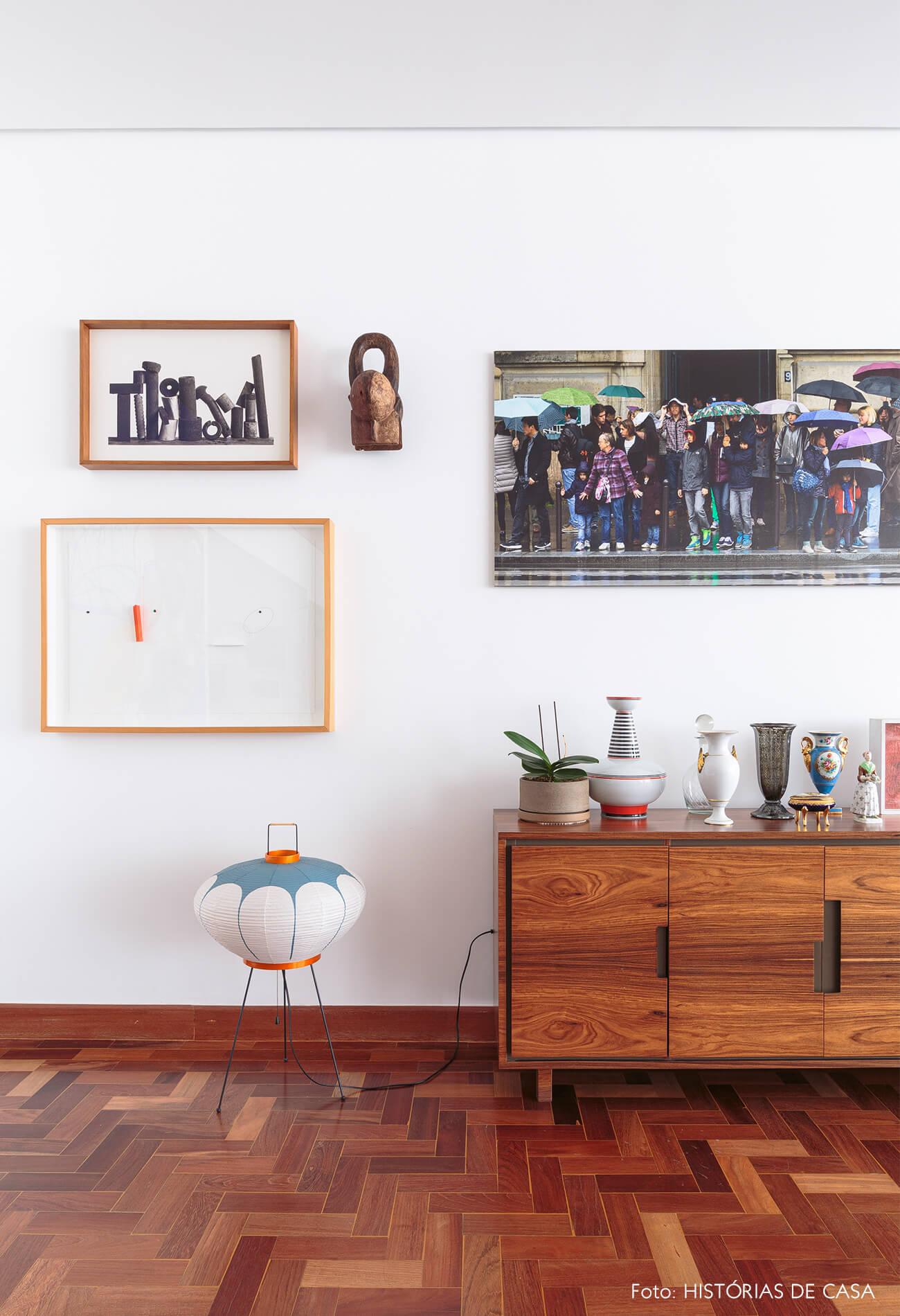 sala-com-buffet-madeira-e-luminaria-papel