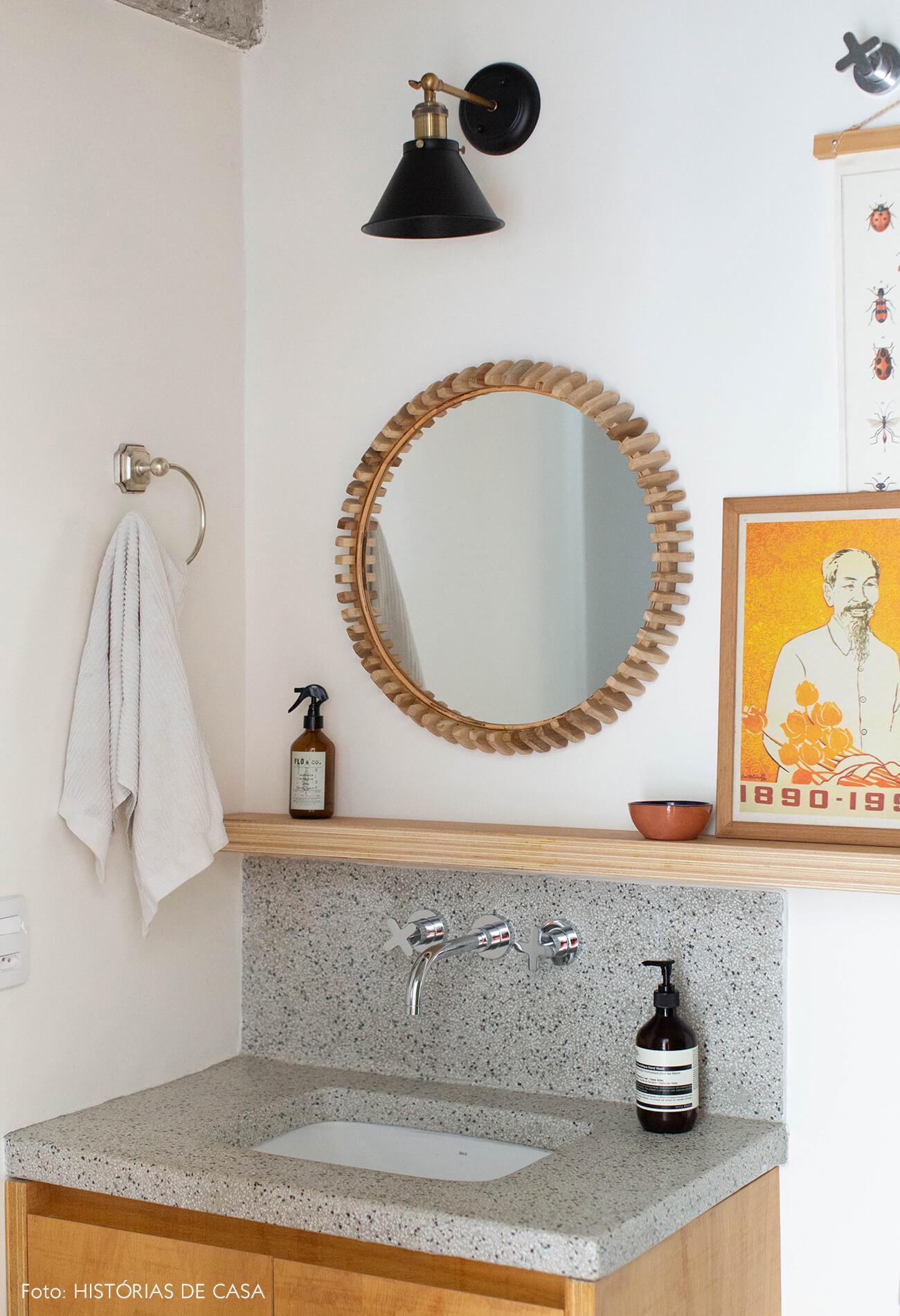 decoração banheiro com bancada de pia de granilite cinza