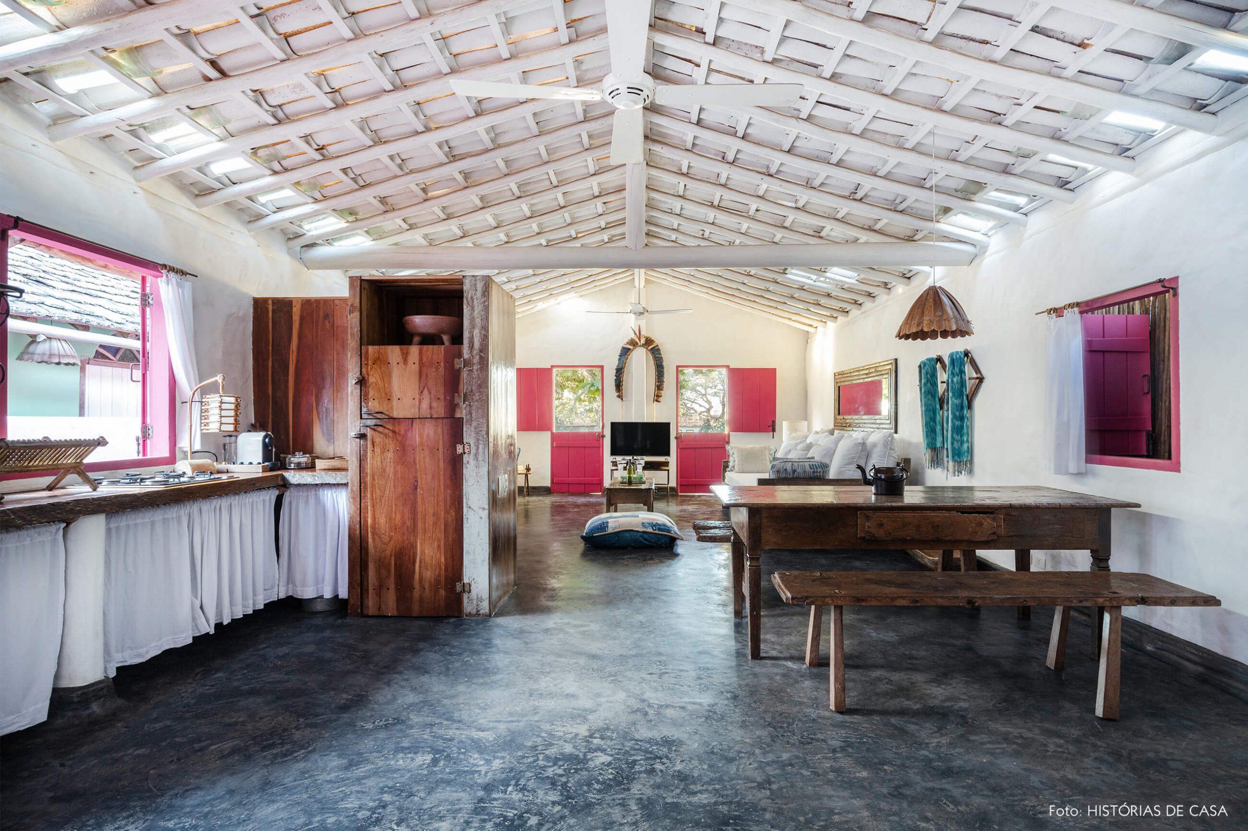 cozinha sala rustica com moveis de madeira decoração uxua