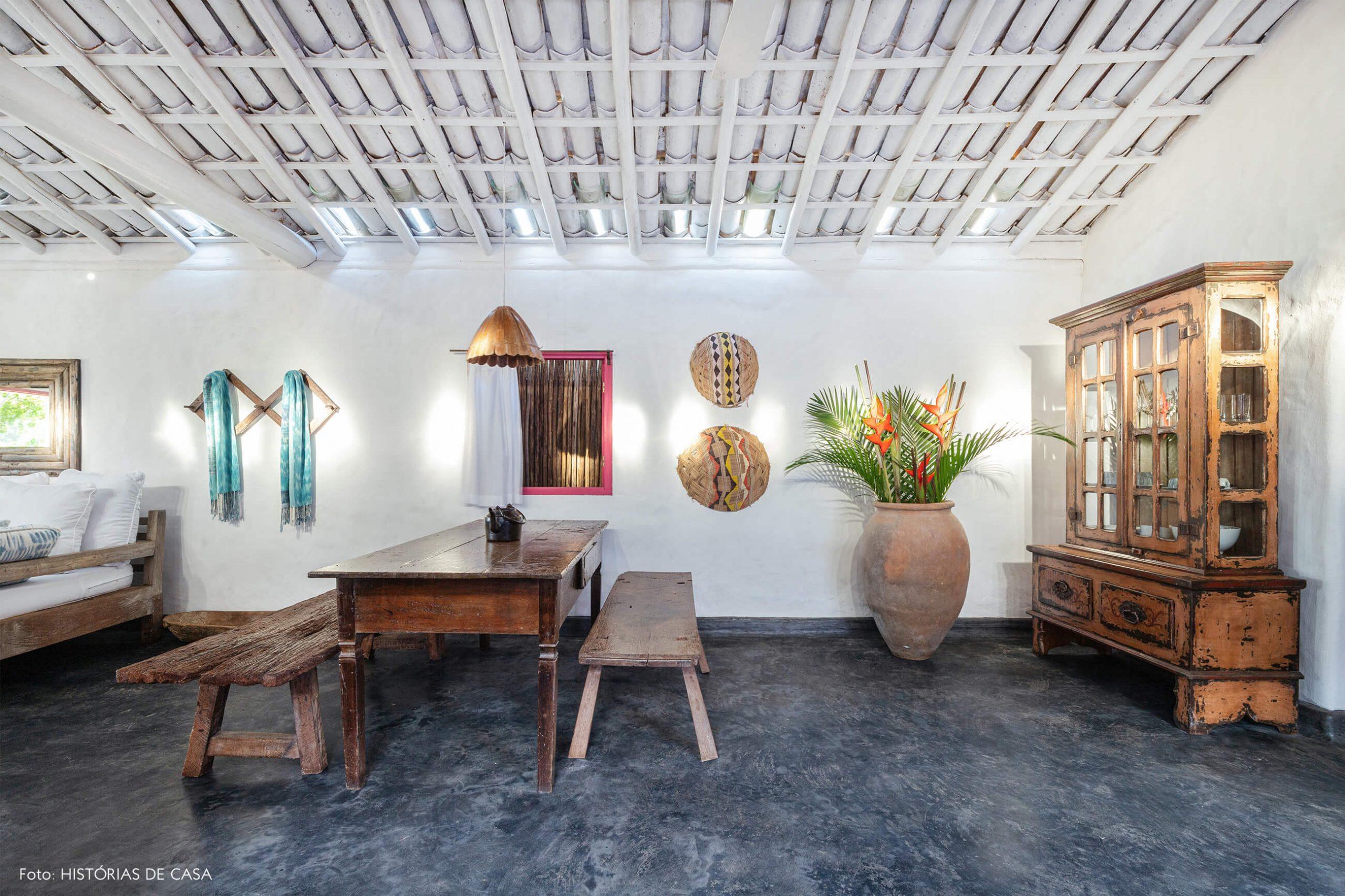 decoração Trancoso sala jantar rustica com moveis de madeira